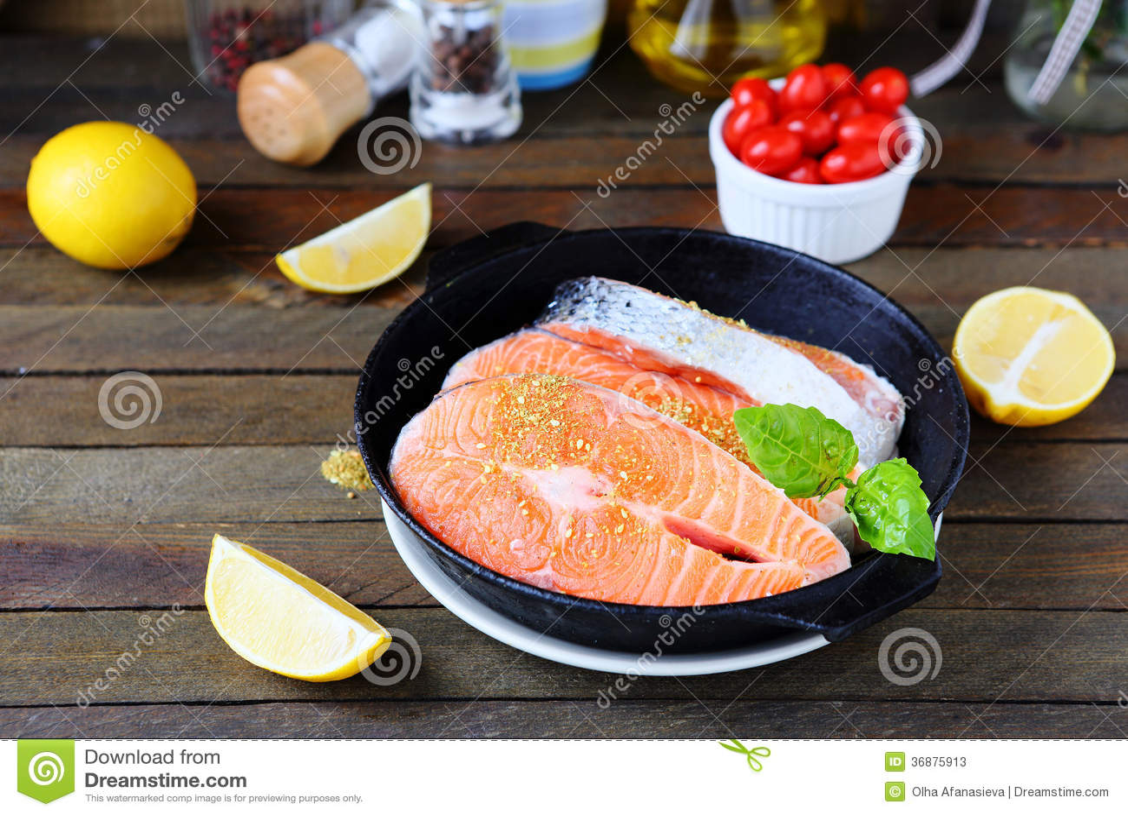 Download Bistecca Di Color Salmone Per Cucinare Immagine Stock - Immagine di vaschetta, mare: 36875913