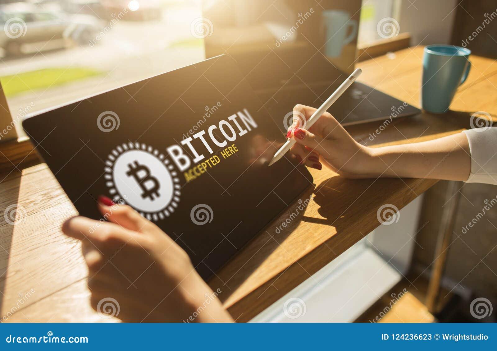Bitcoin accepterade här tecknet på skärmen E-betalning, Cryptocurrency och finansiellt teknologibegrepp
