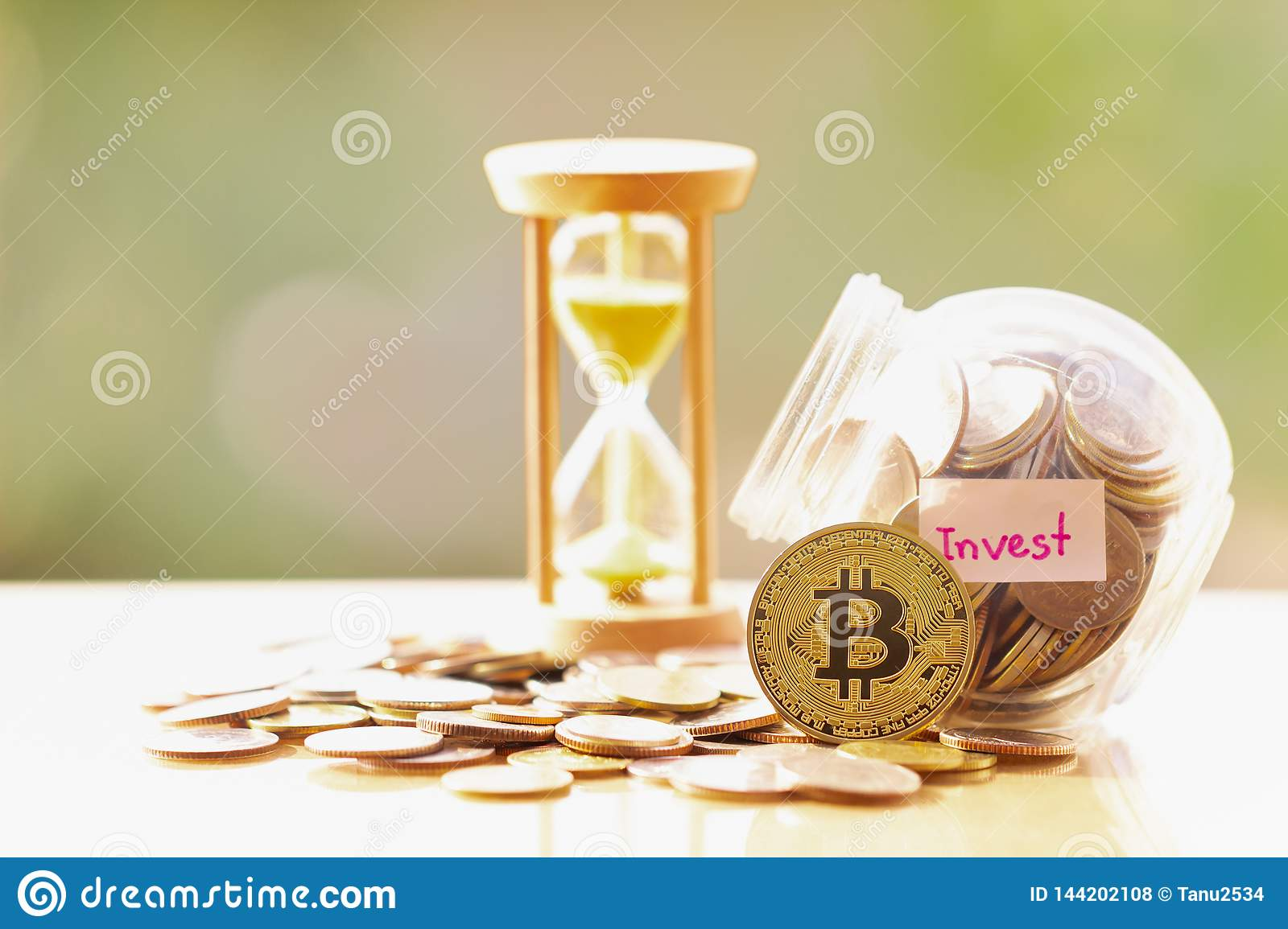 invest cryptocurrency taxes