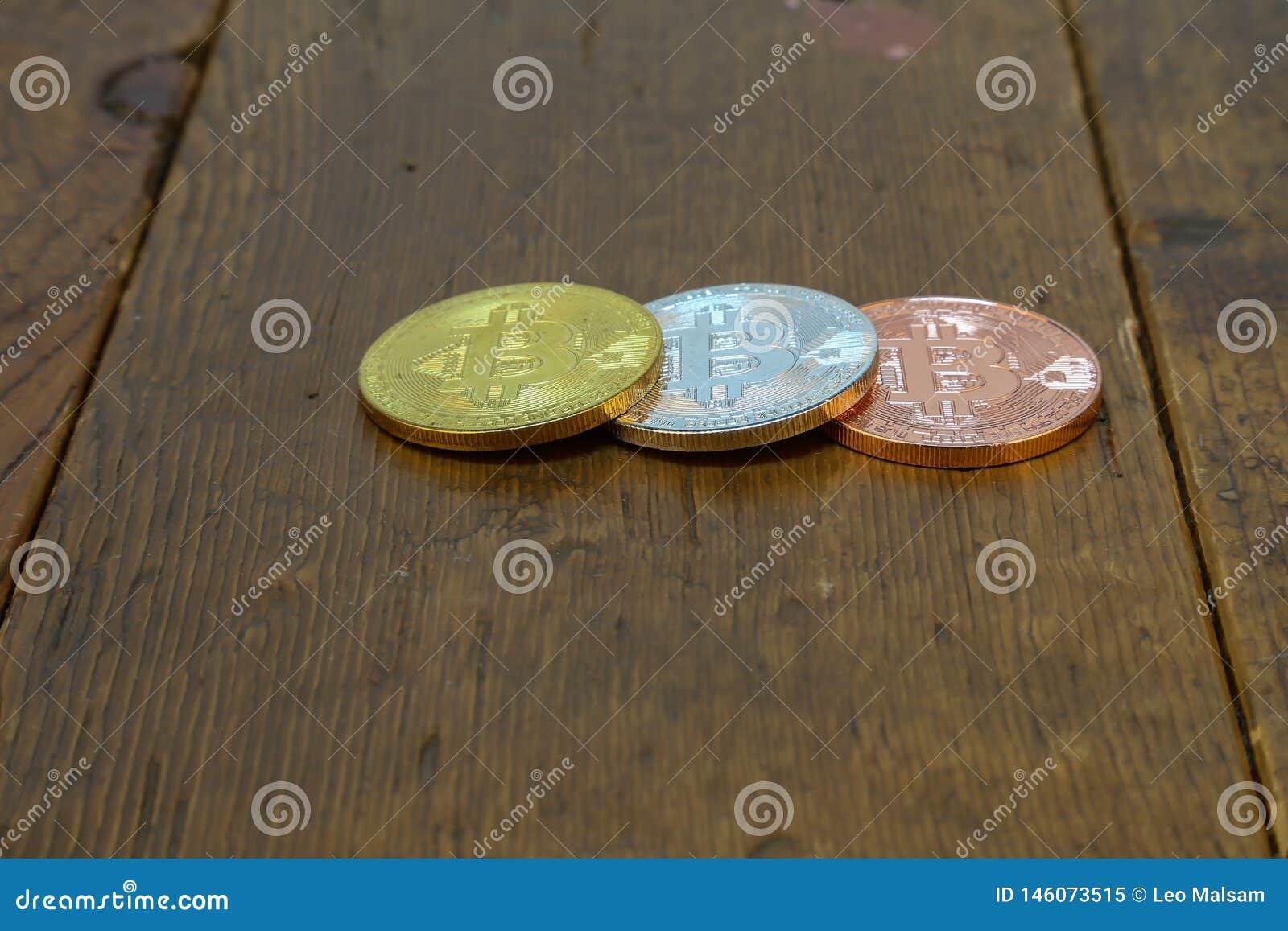Bitcoins está na tabela de madeira
