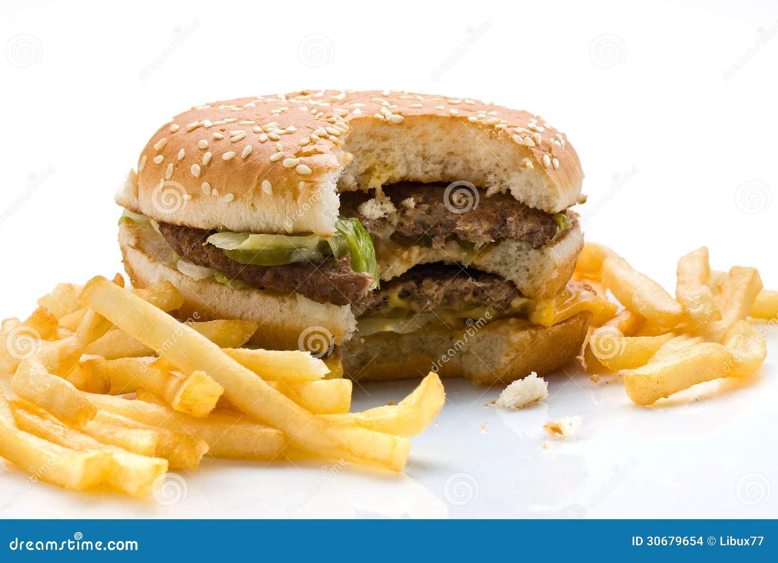 Biten hamburgare och pommes frites