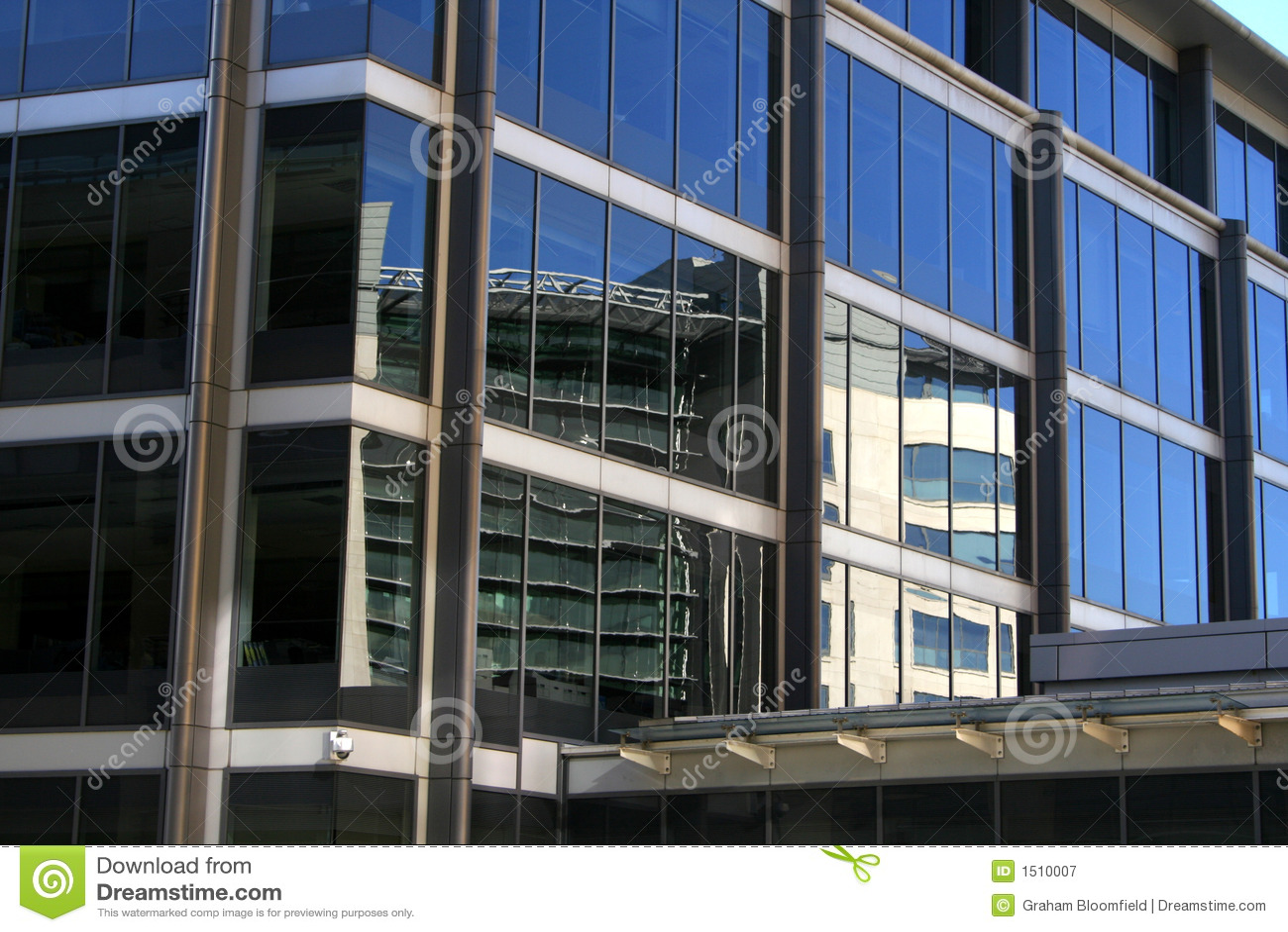Biuro odzwierciedlenie budynku.