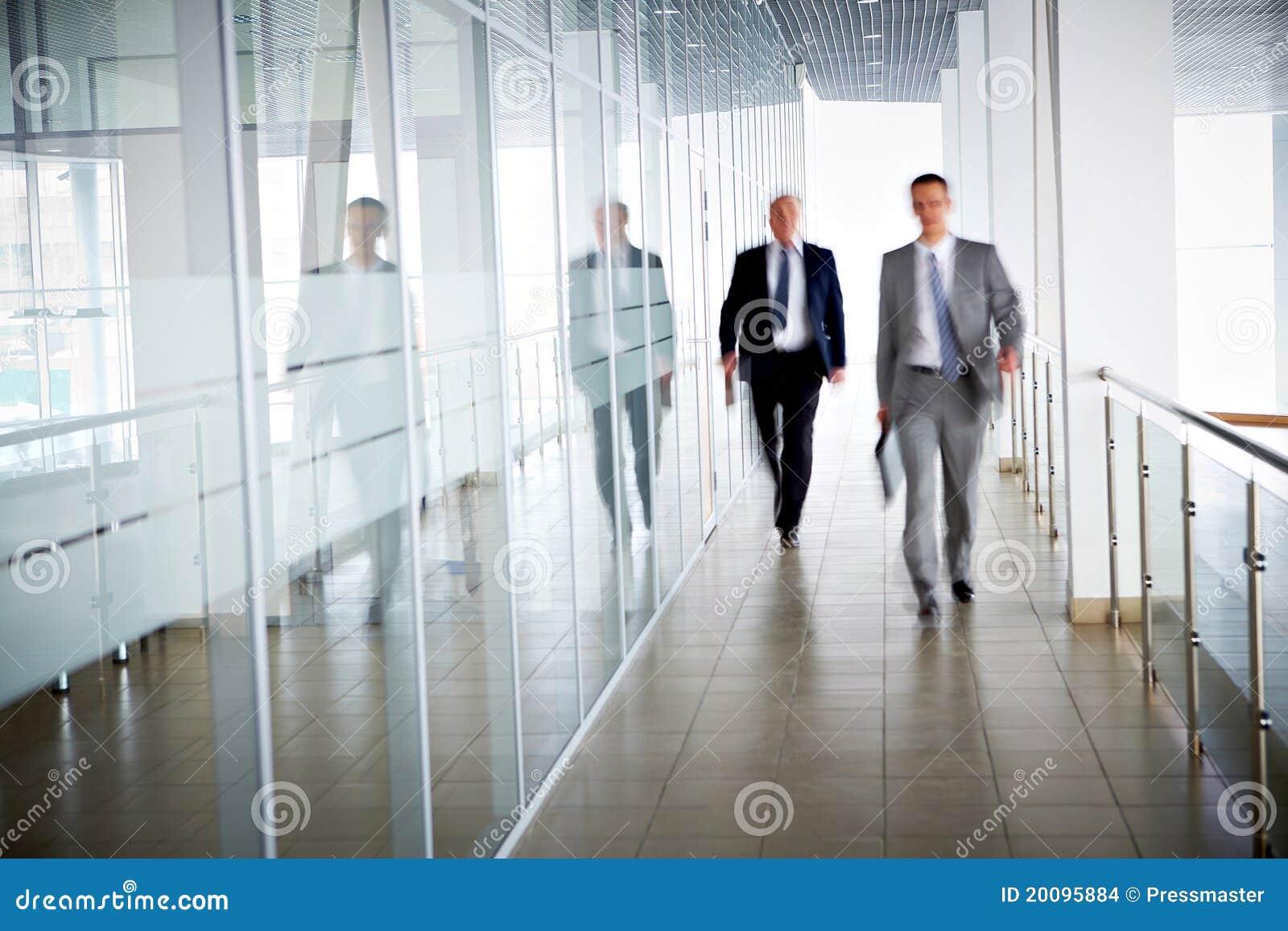Biurowi ludzie