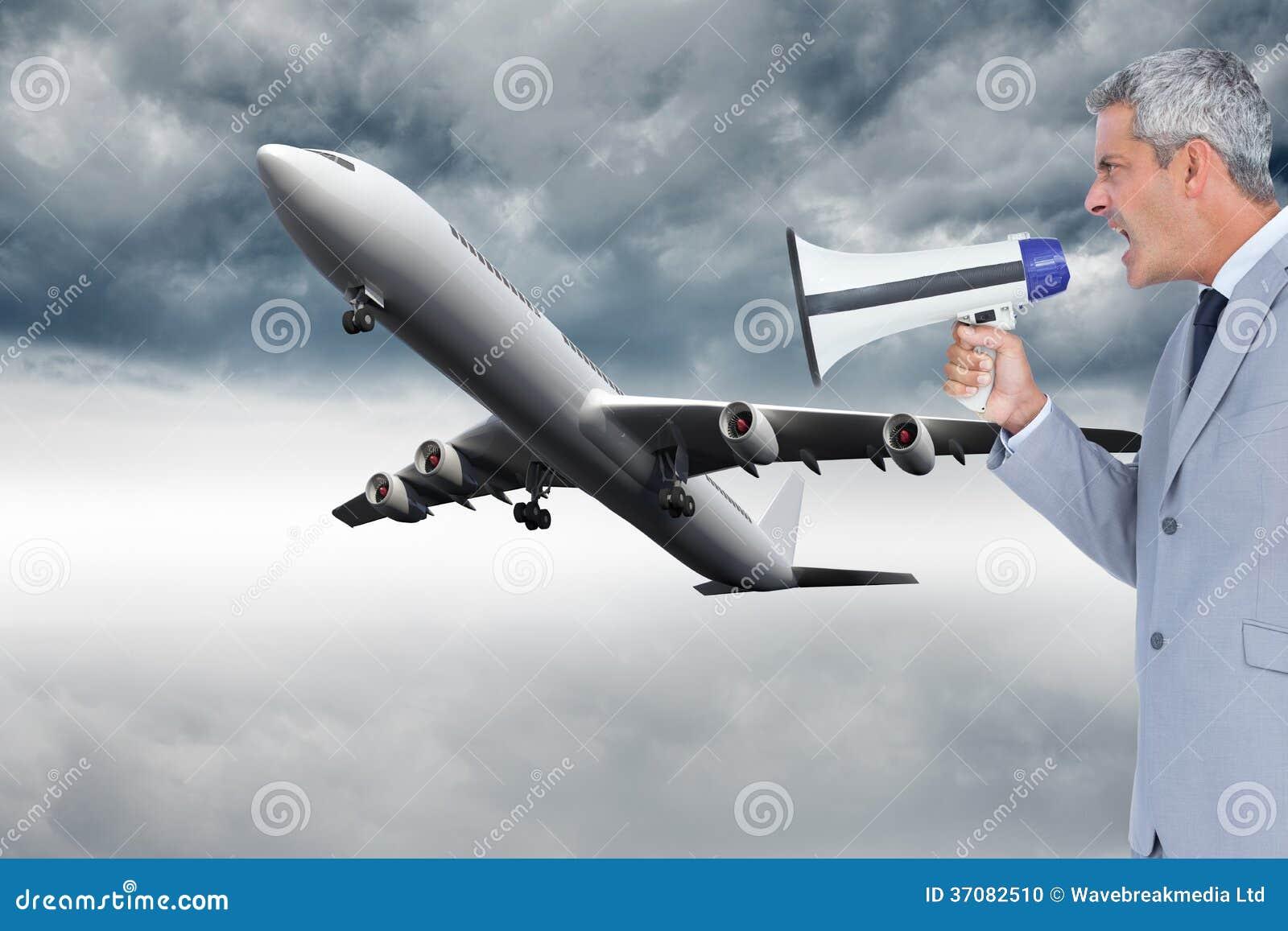 Download Biznesmen Krzyczy W Głośniku Zdjęcie Stock - Obraz złożonej z burza, grafika: 37082510