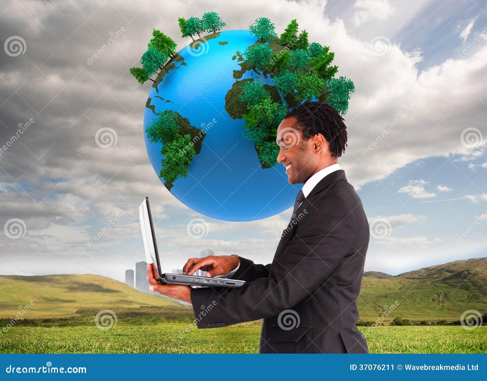Download Biznesmen Pracuje Na Laptopie Obraz Stock - Obraz złożonej z biznes, city: 37076211