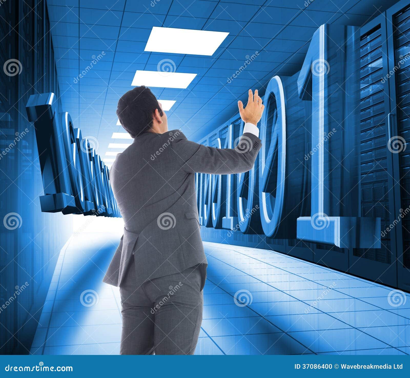 Download Biznesmen Z Rękami Podnosić Zdjęcie Stock - Obraz złożonej z shinny, digitalis: 37086400