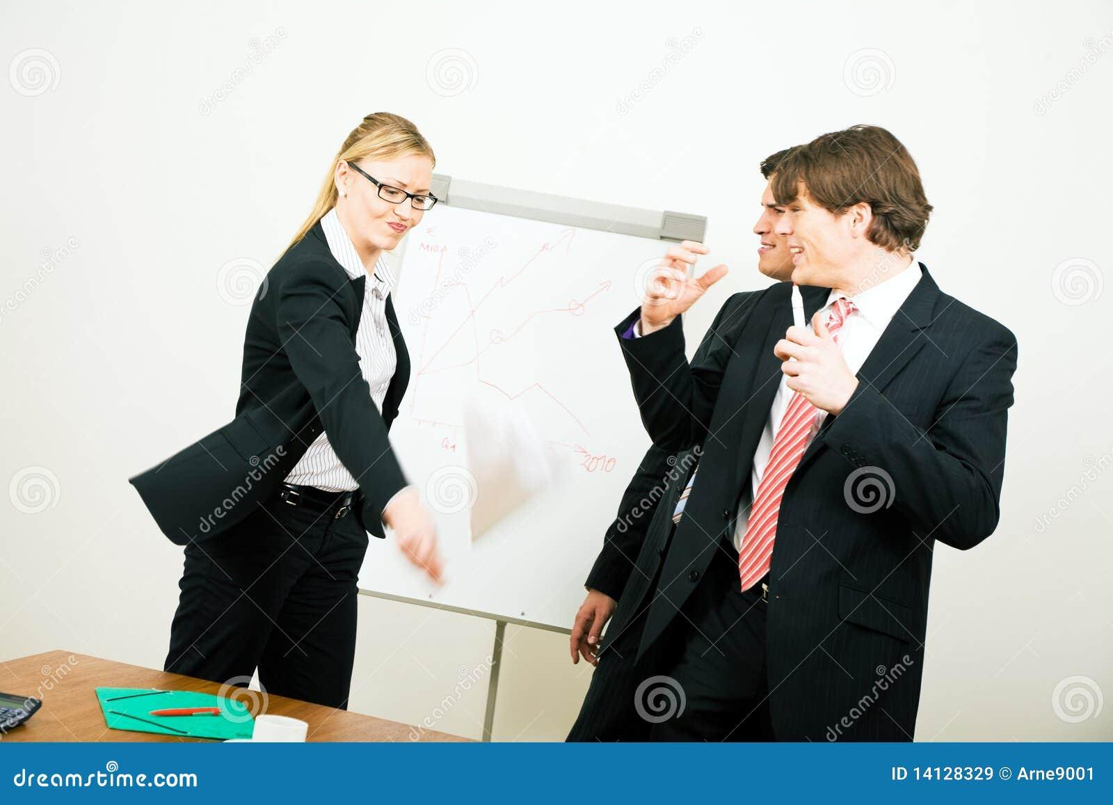 Biznesowa akcydensowa target229_0_ kobieta