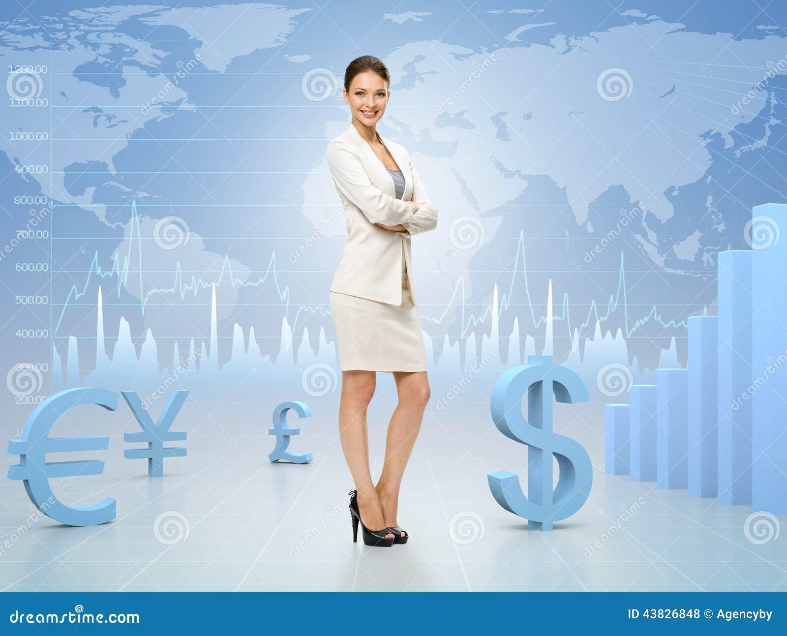 Biznesowa kobieta z rękami krzyżował na wymiany walut tle
