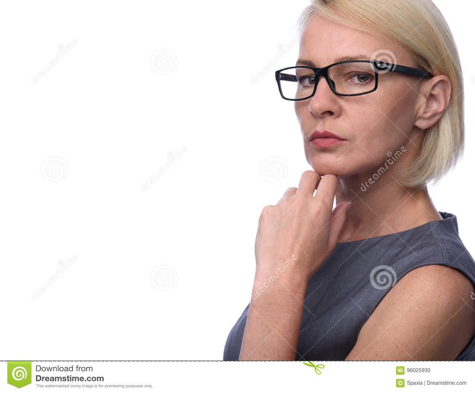 Biznesowa kobieta z szkłami
