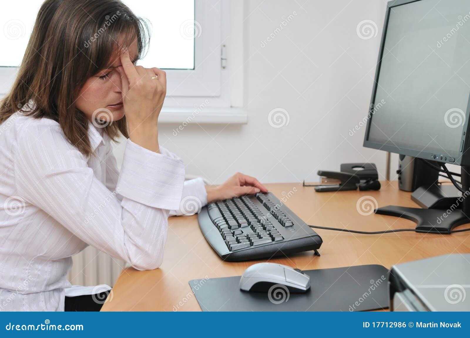 Biznesowa migreny osoba męcząca praca
