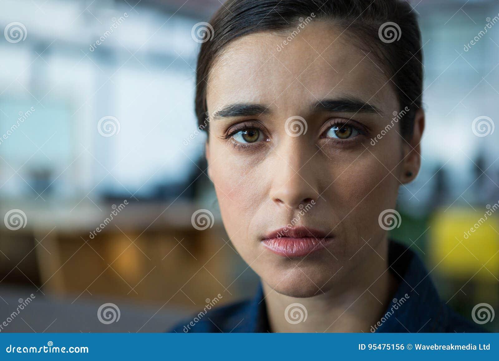 Biznesowego biura portreta kobieta