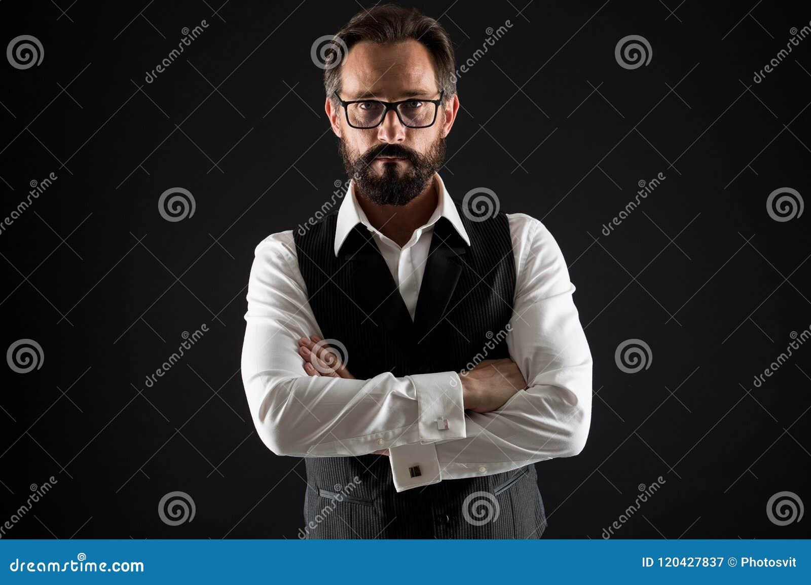 Biznesowego mężczyzna sukcesu porady Ufny i pomyślny Biznesmenów eyeglasses chwyta klasyczne formalne ubraniowe ręki krzyżować