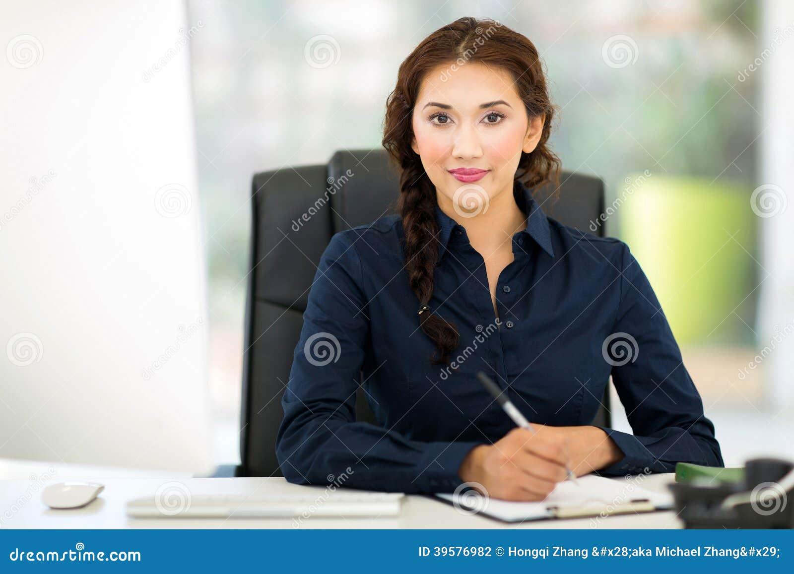 Biznesowej kobiety działanie