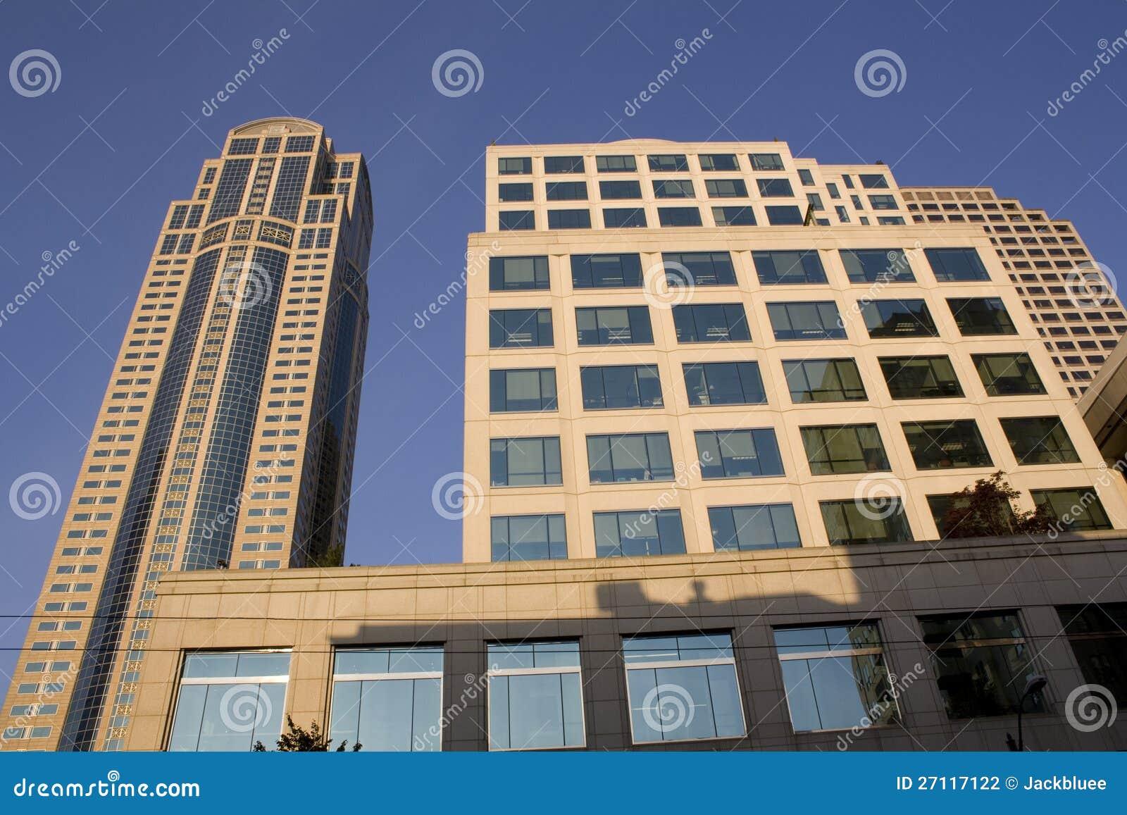 Biznesowi budynki, biura