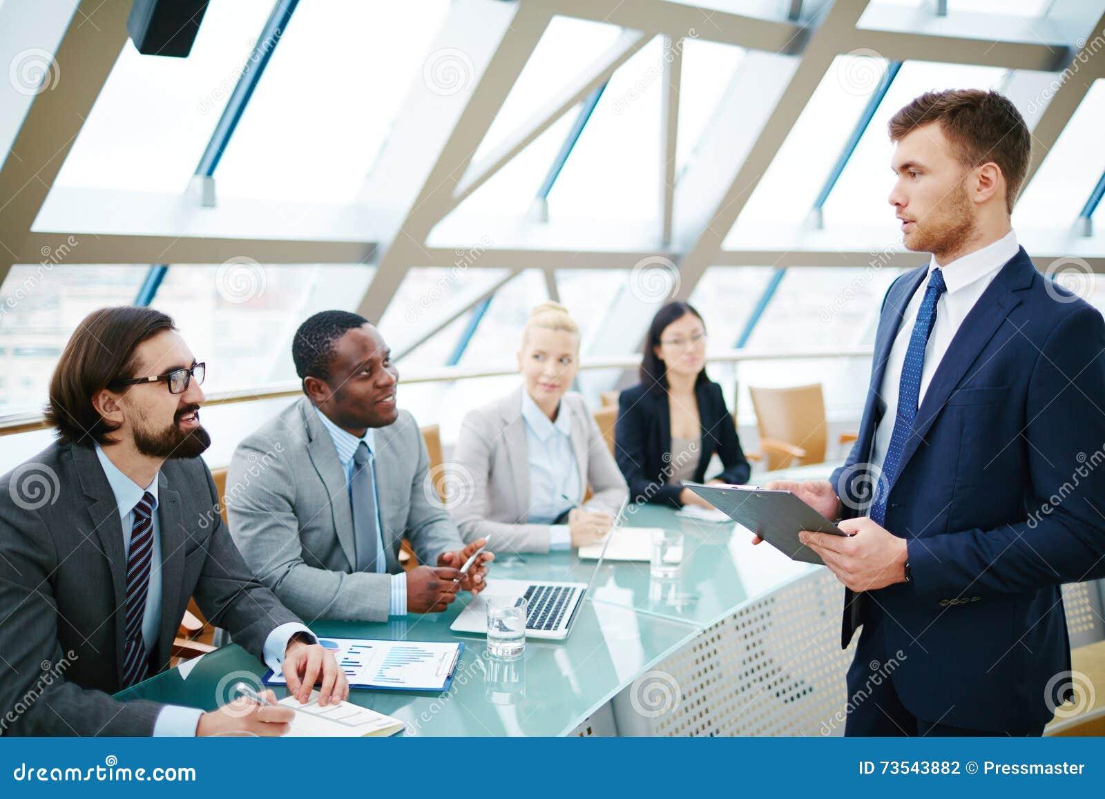 Biznesowy szkolenie przy konferencją