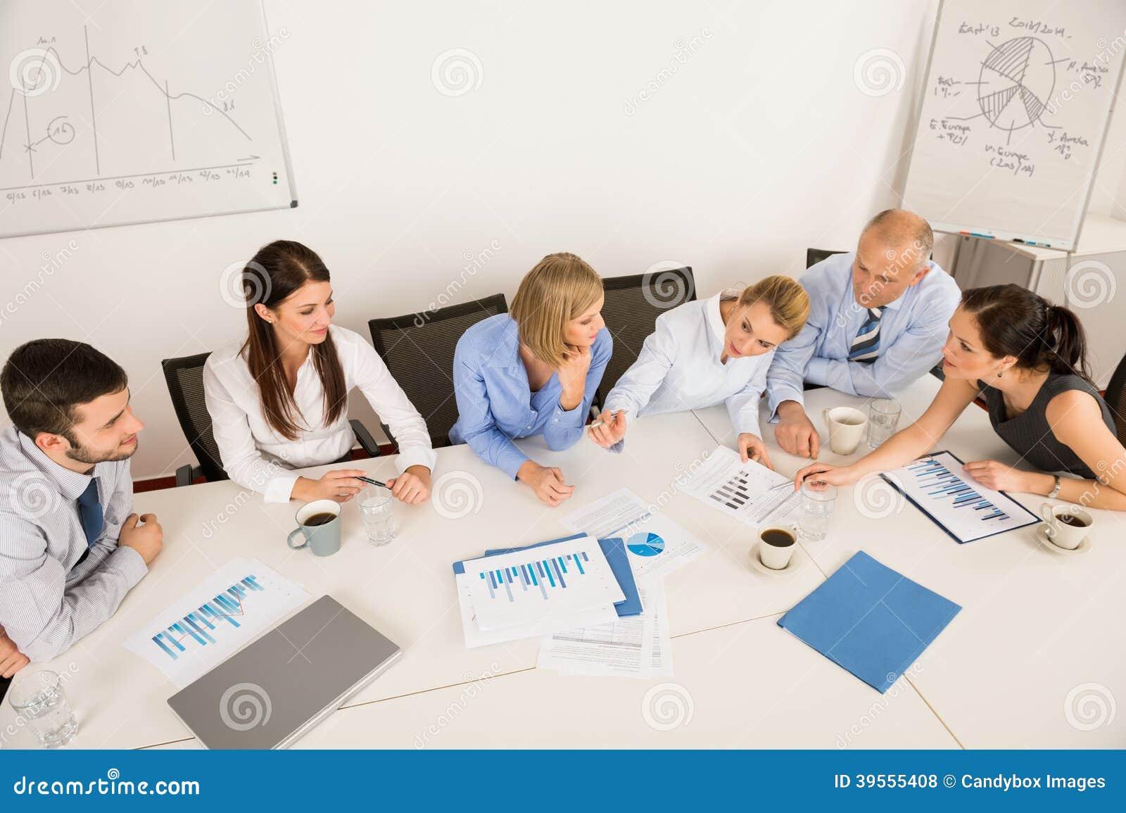 Biznesu Drużynowy Dyskutować W spotkaniu