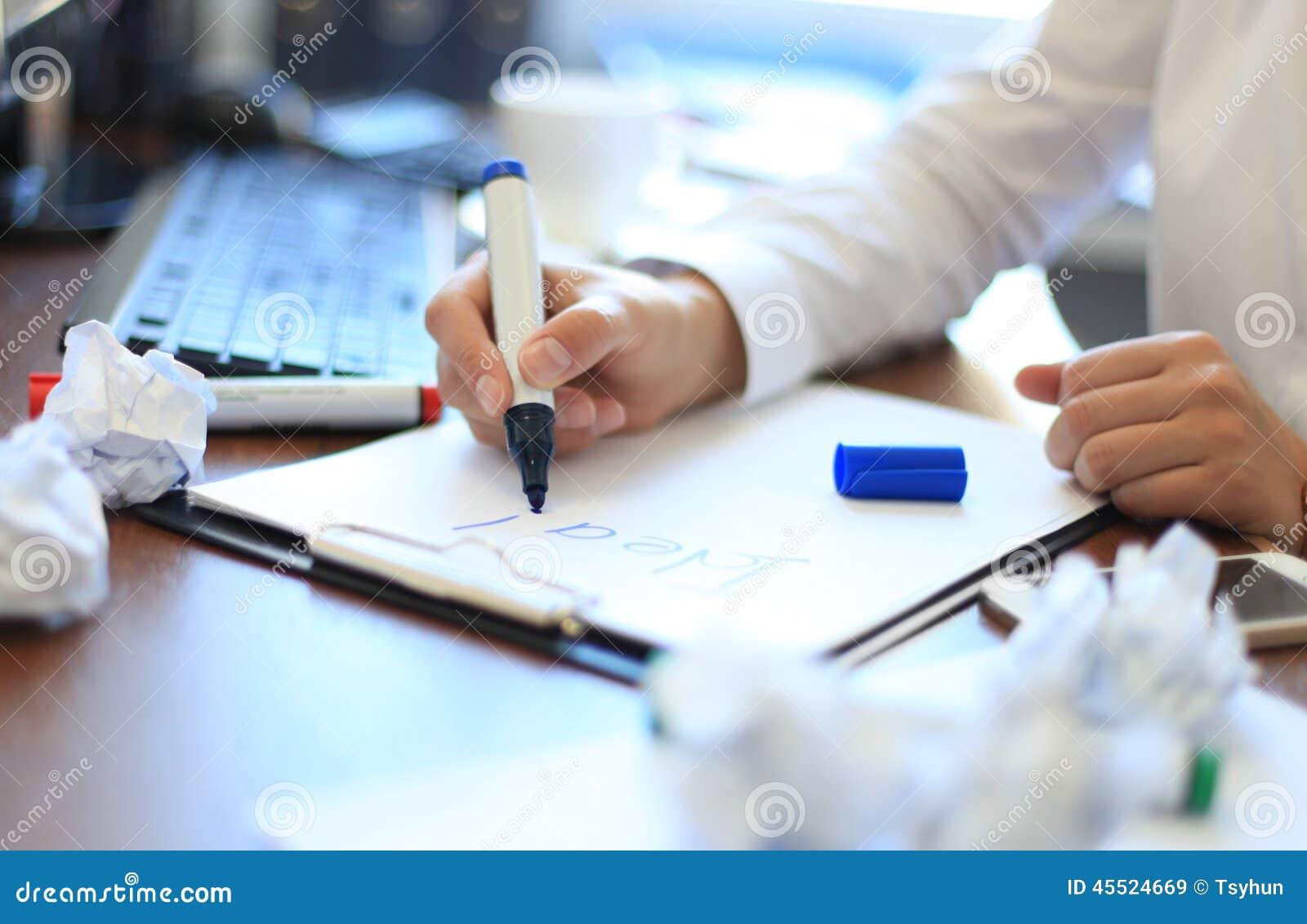 Bizneswoman Brainstorming O pomysle