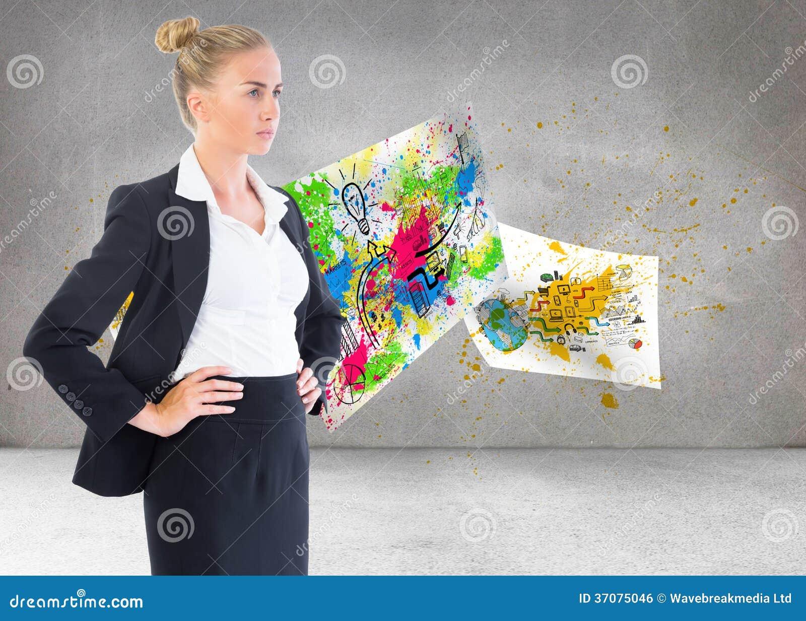 Download Bizneswoman Pozycja Z Rękami Na Biodrach Zdjęcie Stock - Obraz złożonej z kobiety, 1: 37075046
