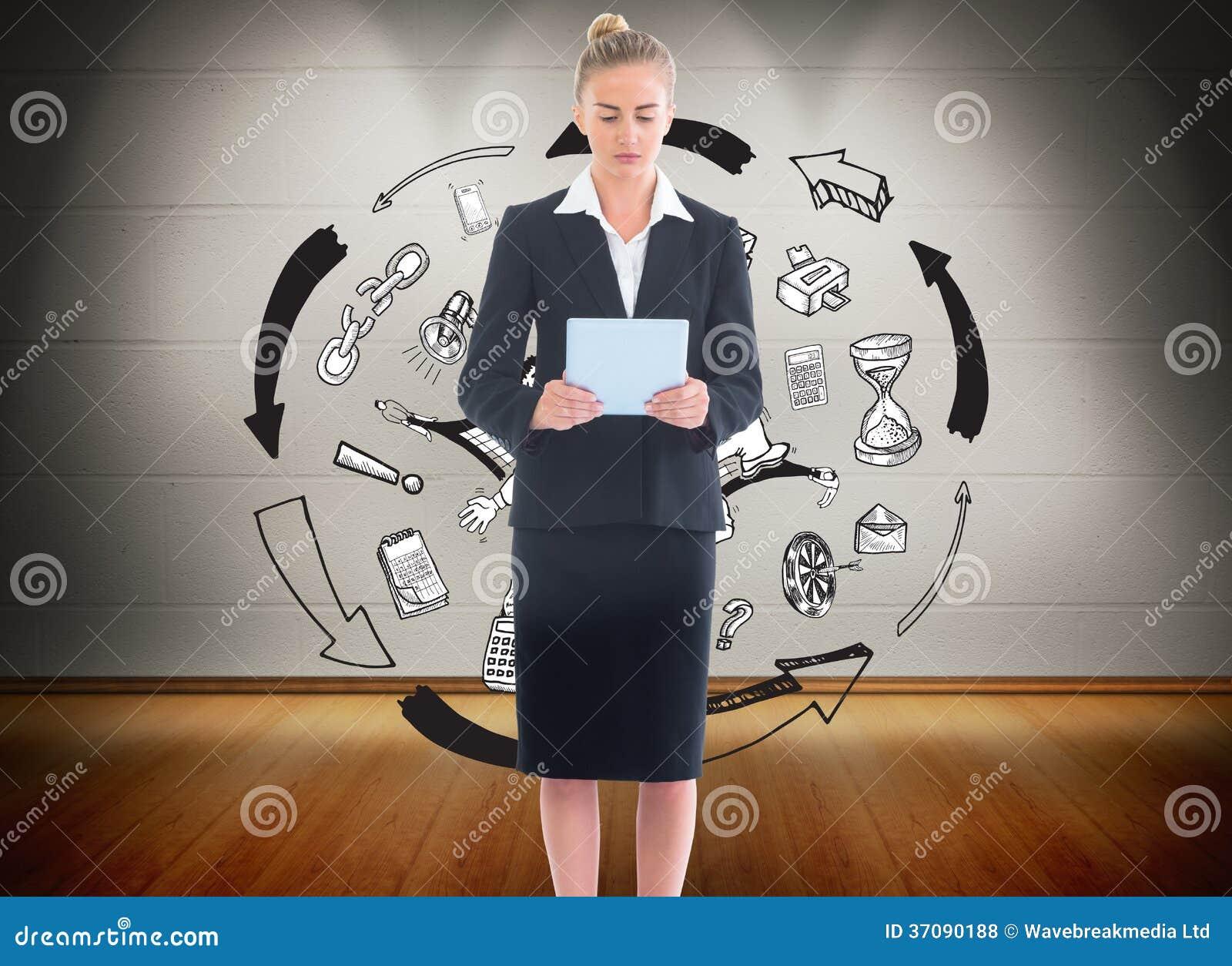 Download Bizneswoman Trzyma Nową Pastylkę Zdjęcie Stock - Obraz złożonej z well, composite: 37090188