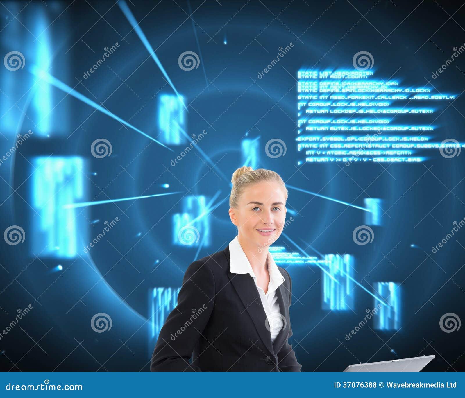 Download Bizneswoman używa laptop zdjęcie stock. Obraz złożonej z elegancki - 37076388