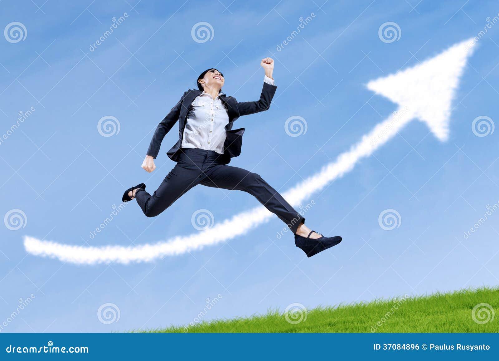 Download Bizneswomanu Bieg Z Strzała Up Zdjęcie Stock - Obraz złożonej z przywódctwo, indonezyjczyk: 37084896