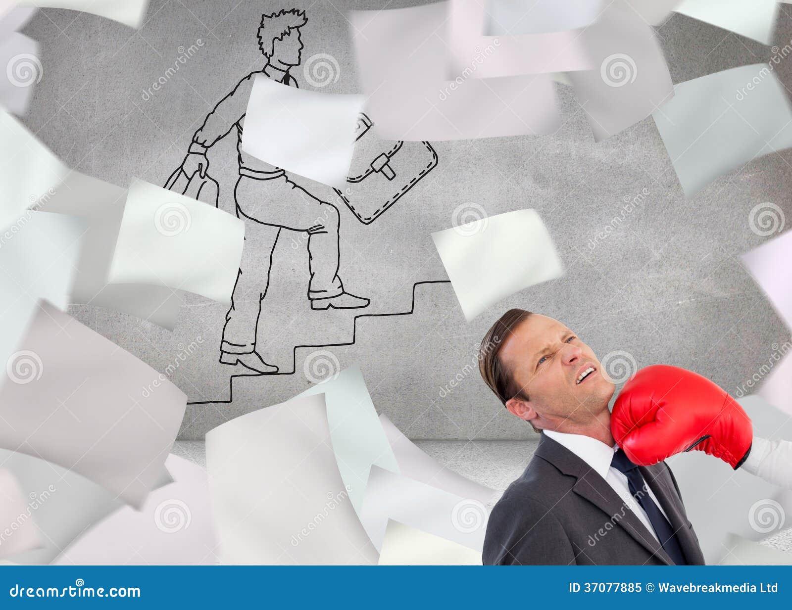 Download Bizneswomanu Ciupnięcia Kolega Z Jej Bokserskimi Rękawiczkami Obraz Stock - Obraz złożonej z koledzy, schodki: 37077885