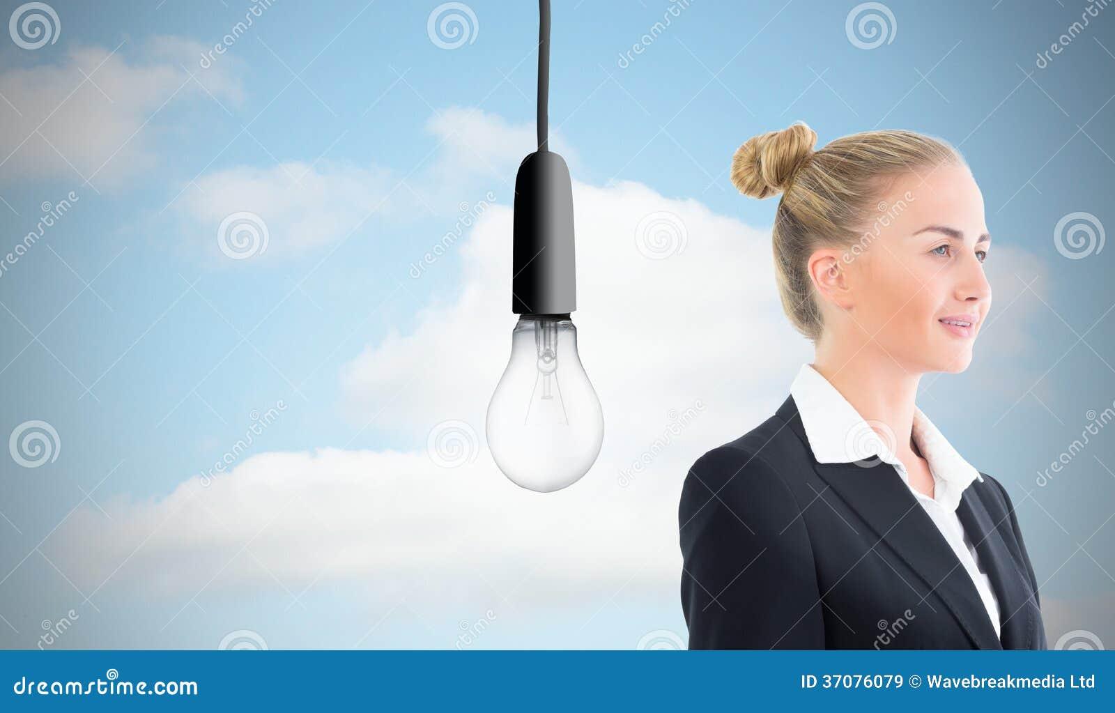 Download Bizneswomanu Mienia Pastylka Obraz Stock - Obraz złożonej z kobiety, świecący: 37076079