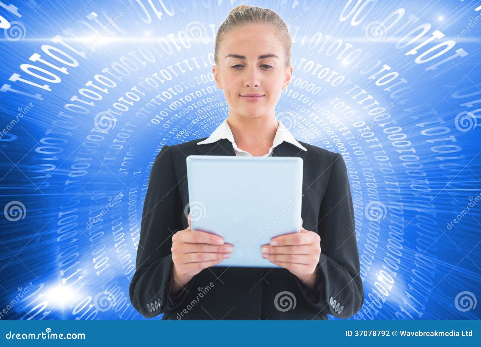 Download Bizneswomanu Mienia Pastylka Zdjęcie Stock - Obraz złożonej z shinny, technologia: 37078792