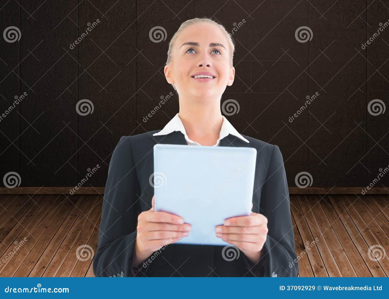Download Bizneswomanu Mienia Pastylka Obraz Stock - Obraz złożonej z kariera, kostium: 37092929