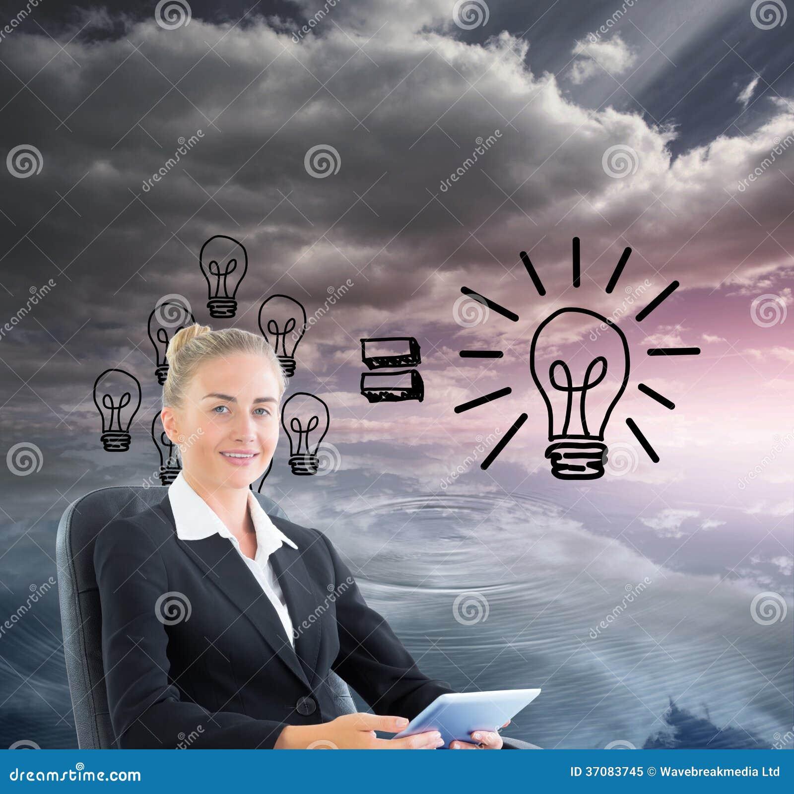 Download Bizneswomanu Obsiadanie Na Swivel Krześle Z Pastylką Obraz Stock - Obraz złożonej z jeden, równanie: 37083745