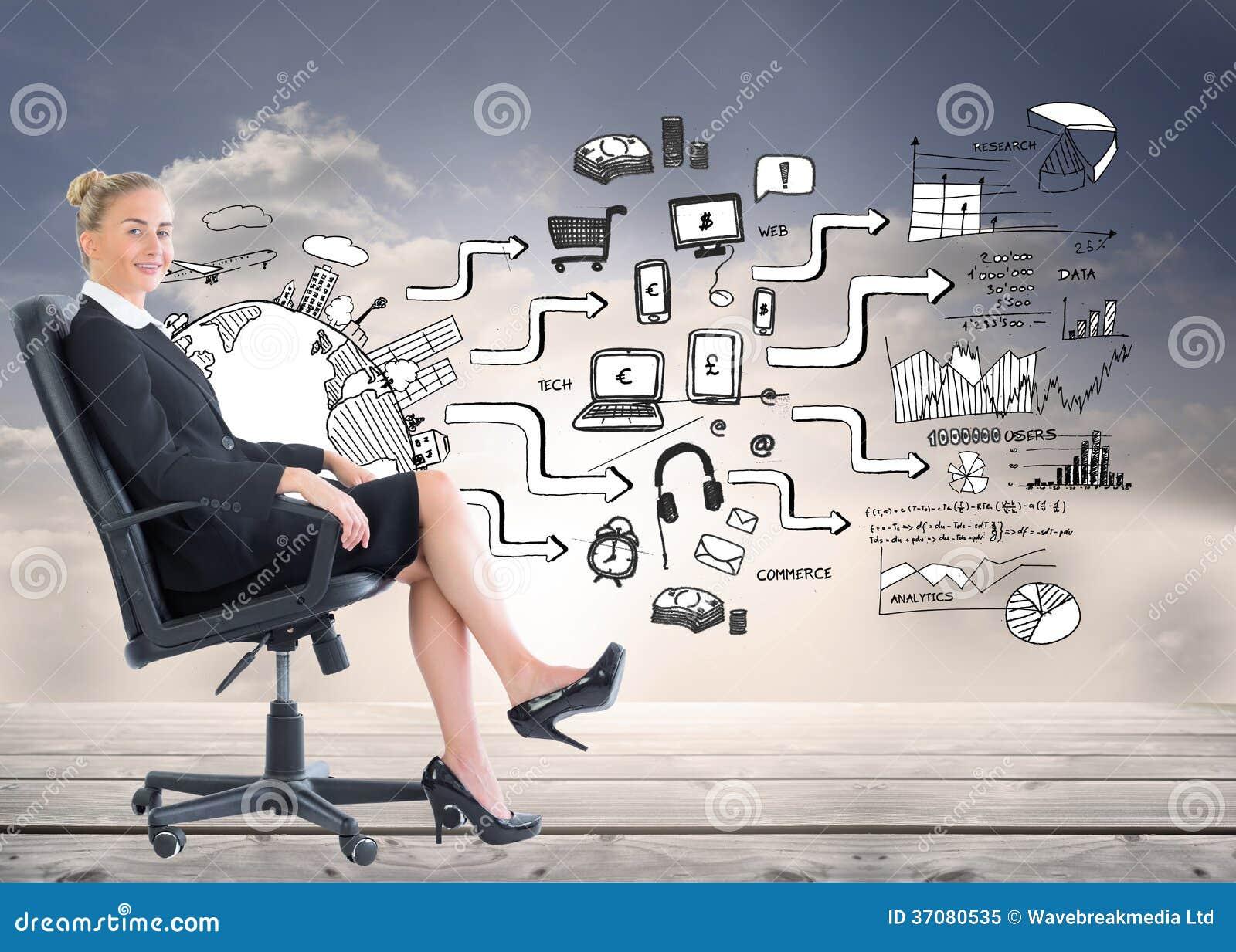 Download Bizneswomanu Obsiadanie Na Swivel Krześle W Czarnym Kostiumu Obraz Stock - Obraz złożonej z globalny, markham: 37080535