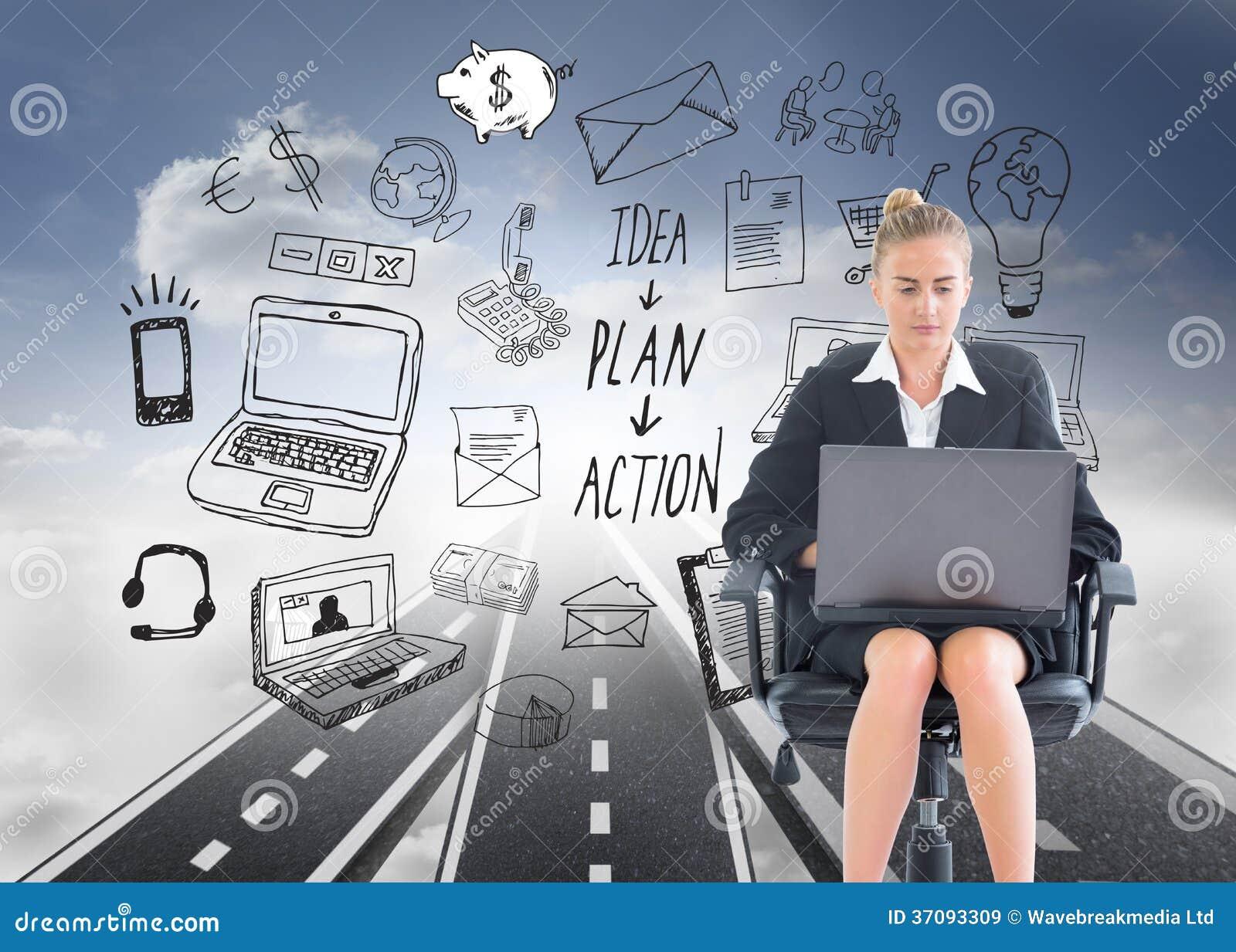 Download Bizneswomanu Obsiadanie Na Swivel Krześle Z Laptopem Obraz Stock - Obraz złożonej z potomstwa, pogodny: 37093309