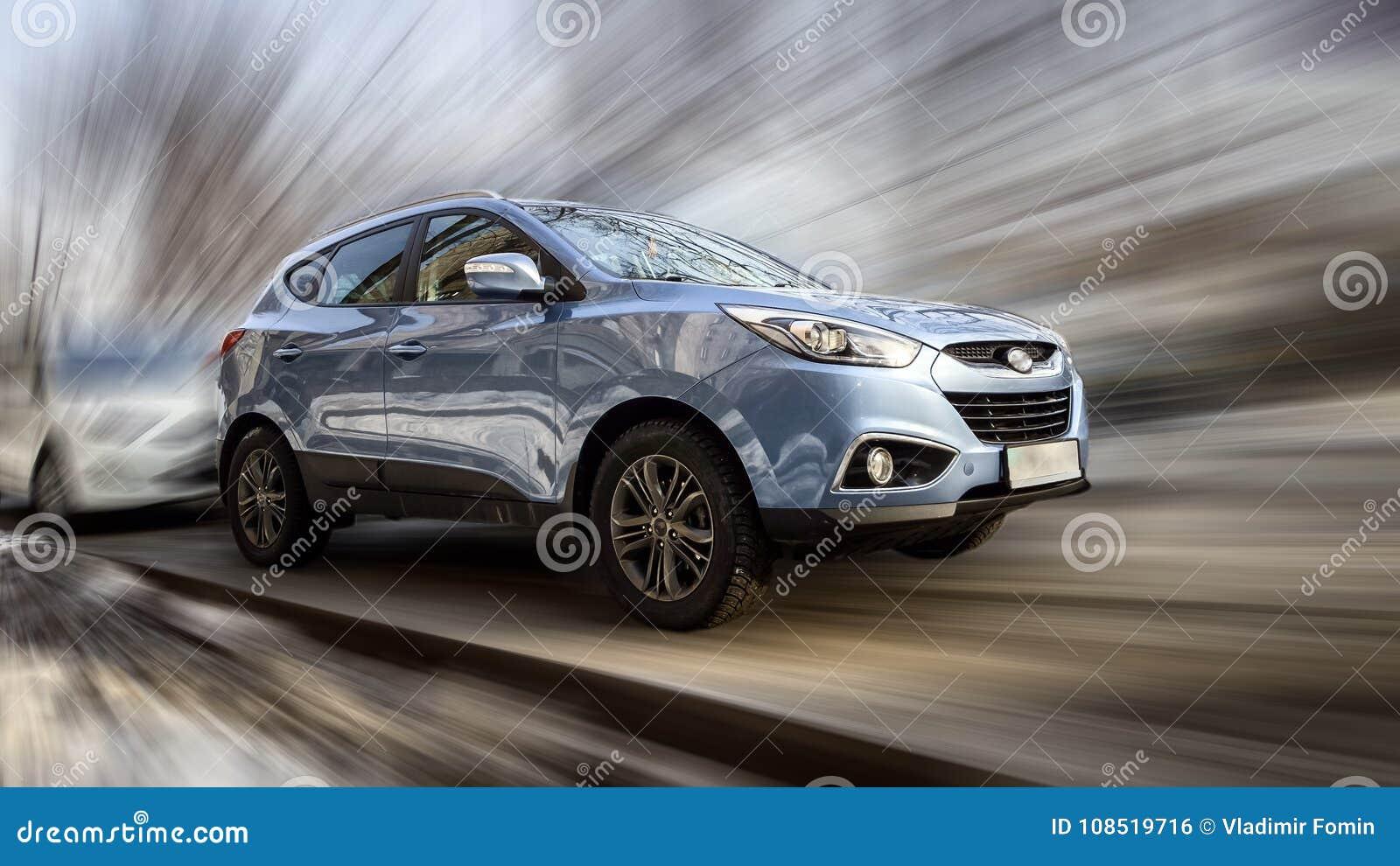 Blå bil Hyundai