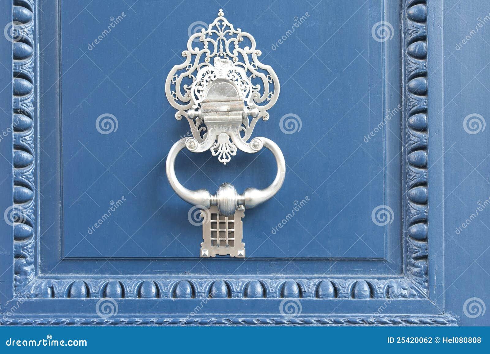 Blå dörrportklappwhite
