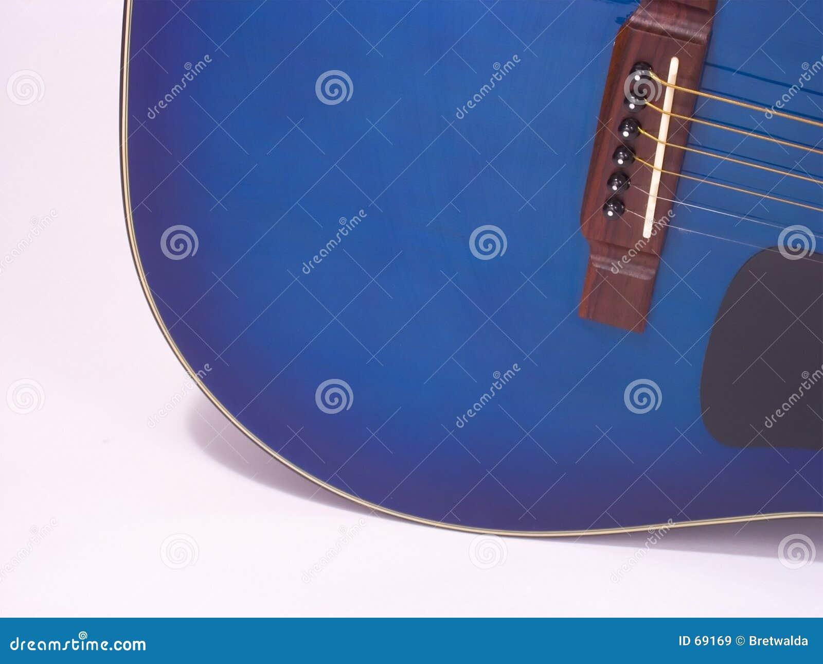 Blå guitar1