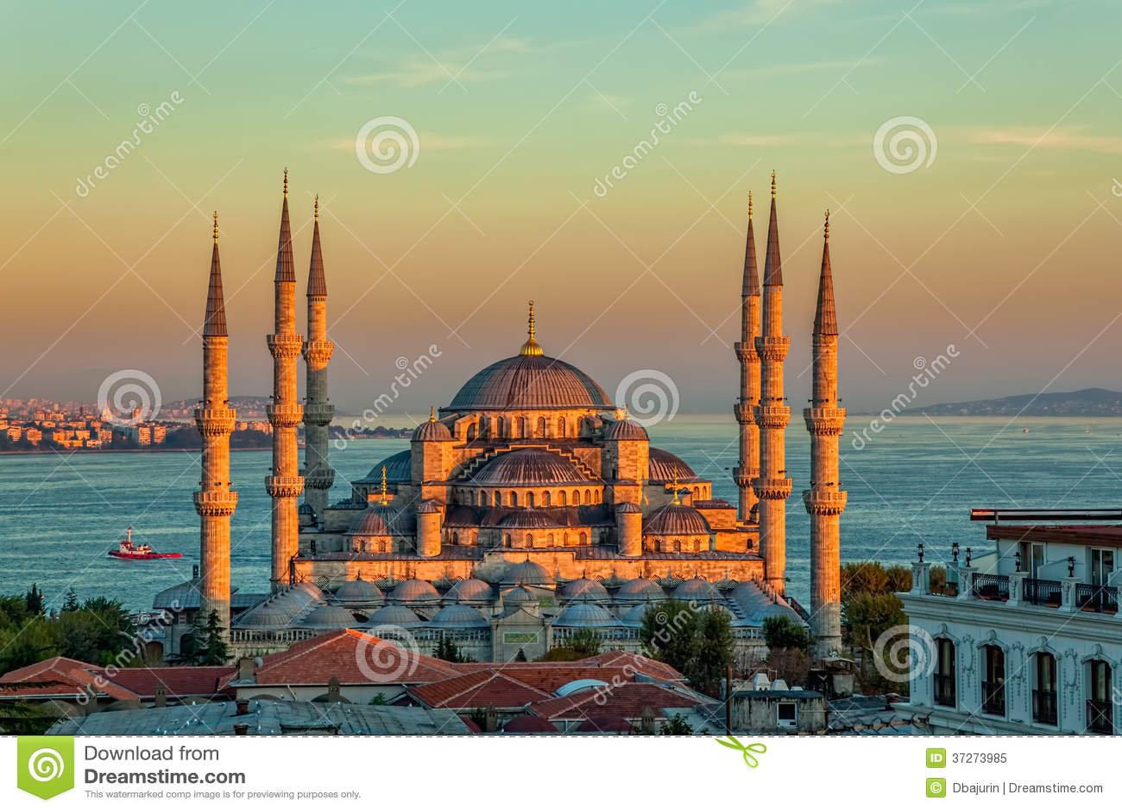 Blå moské i Istanbul i solnedgång