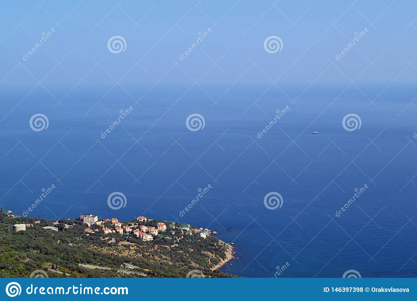 Blå seascape med den suddiga horisonten
