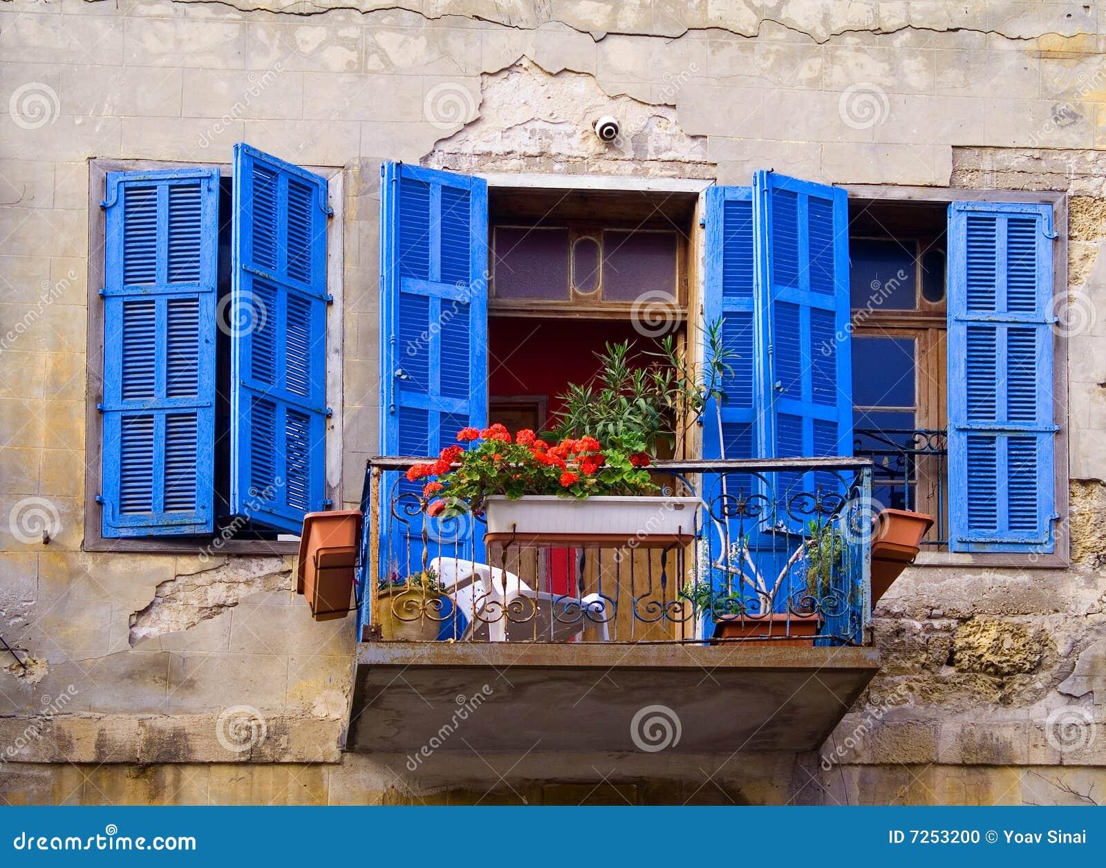Blåa fönster