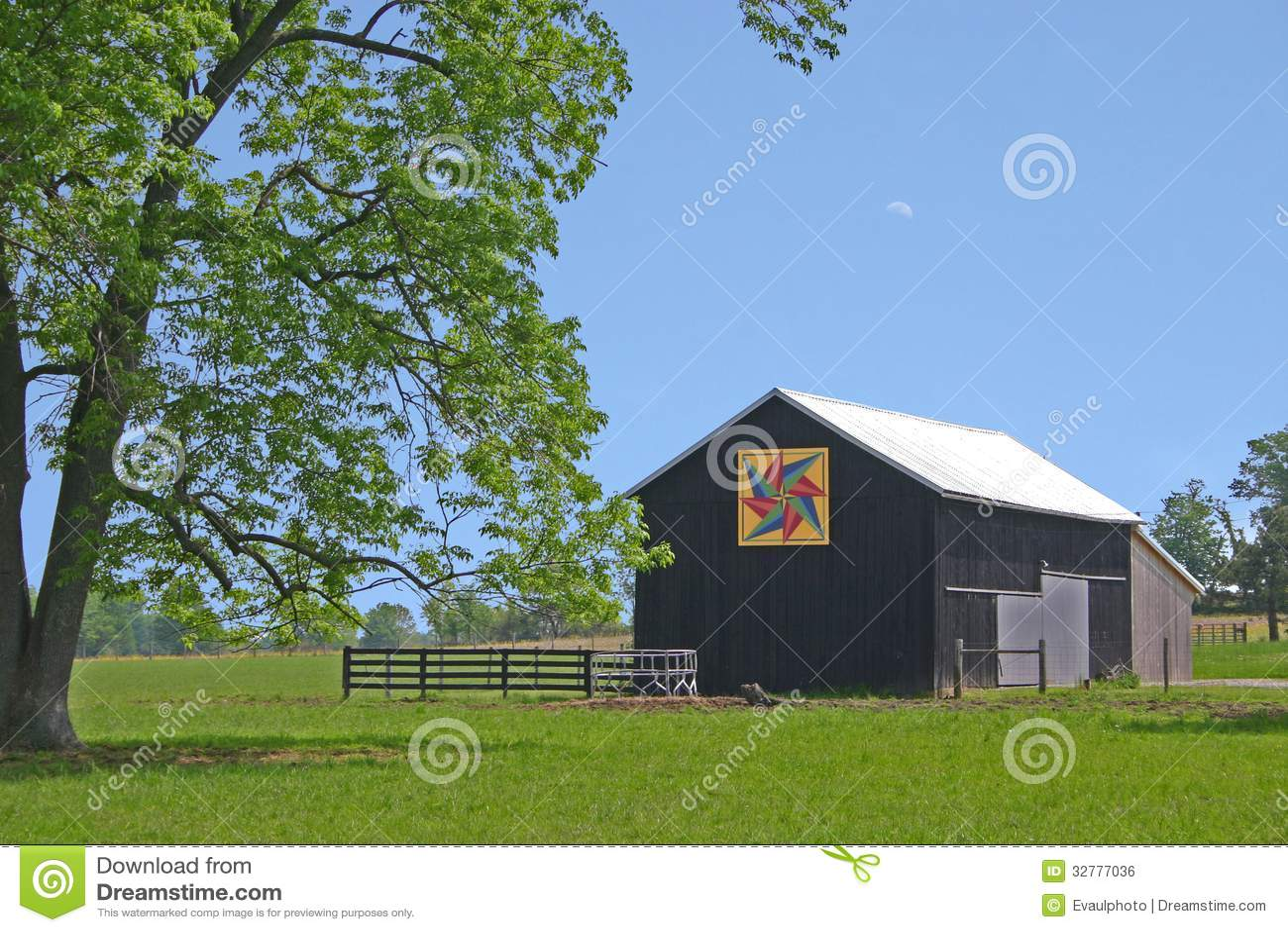 Black Barn Royalty Free Stock Image Image 32777036