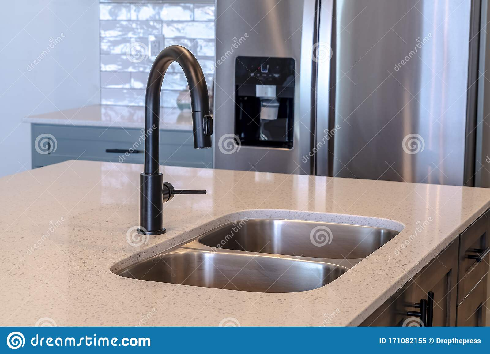 Black Faucet And Double Bowl Undermount Sink On The Kitchen Island Of Home Stock Image Image Of Dispenser Estate 171082155
