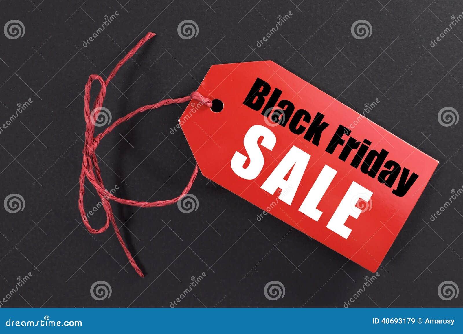 Black Friday zakupy sprzedaży pojęcie z czerwoną biletową sprzedaży etykietką