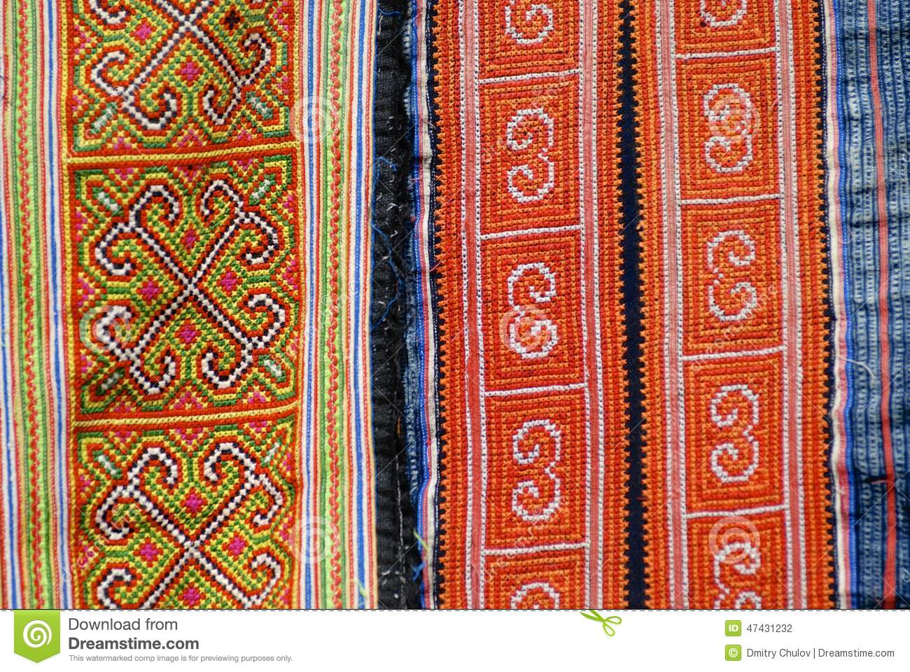 Black Miao minority women traditional costume textile detail. Town of Sapa, north-west of Vietnam. Деталь трад�