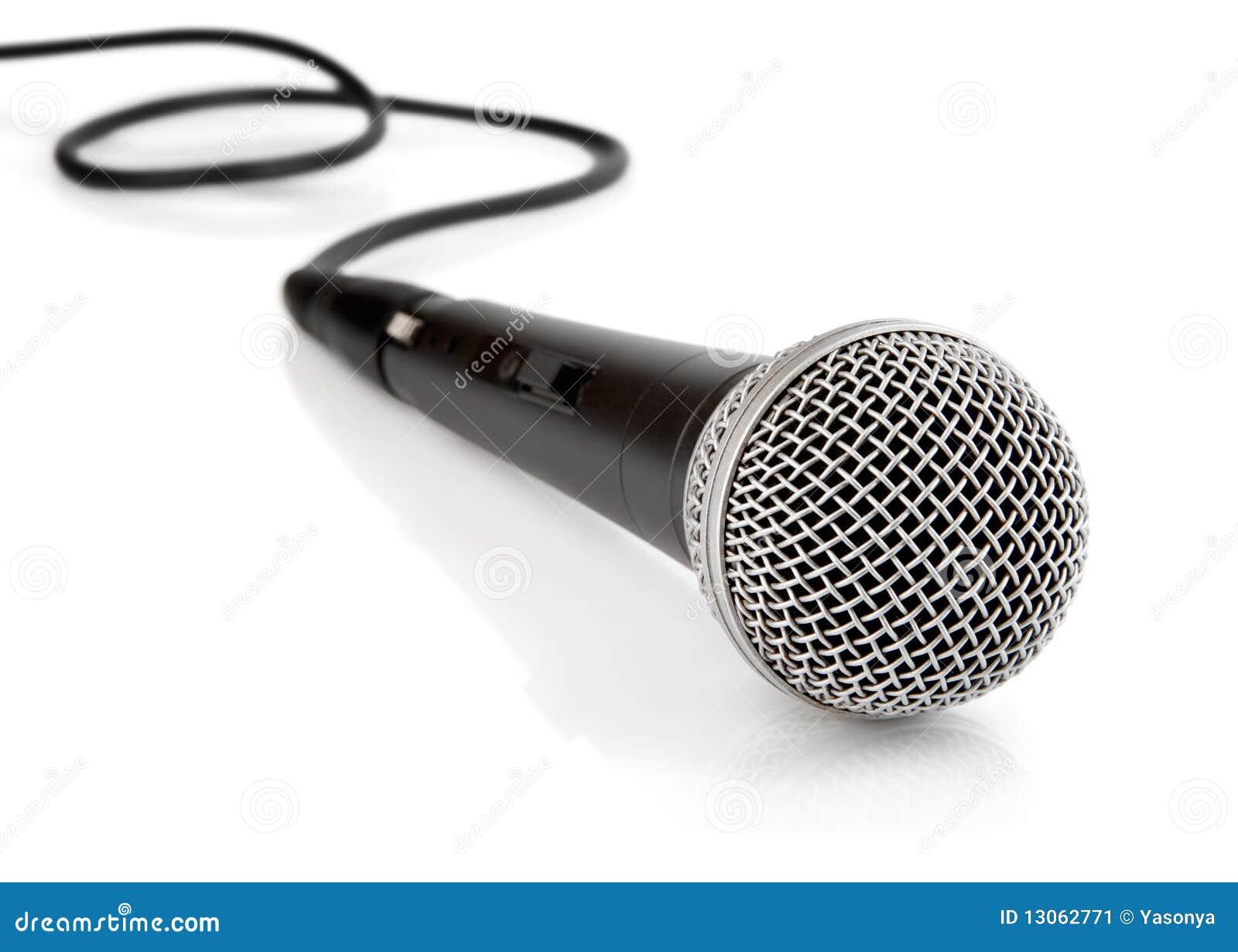 Как сделать чтобы микрофон не фонил на компьютер