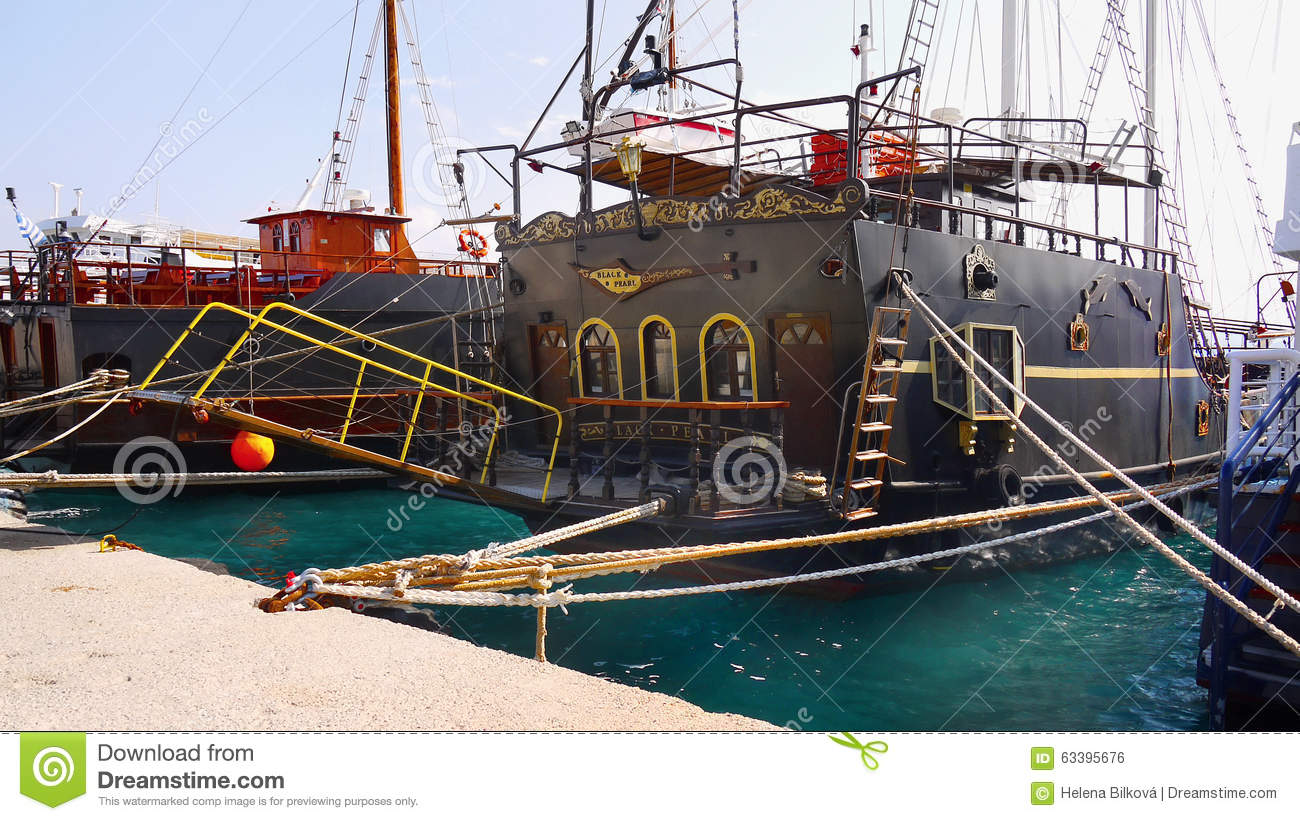 Black Pearl Ship Cruise Editorial Photo Image Of Galleon - Pirate ship cruise