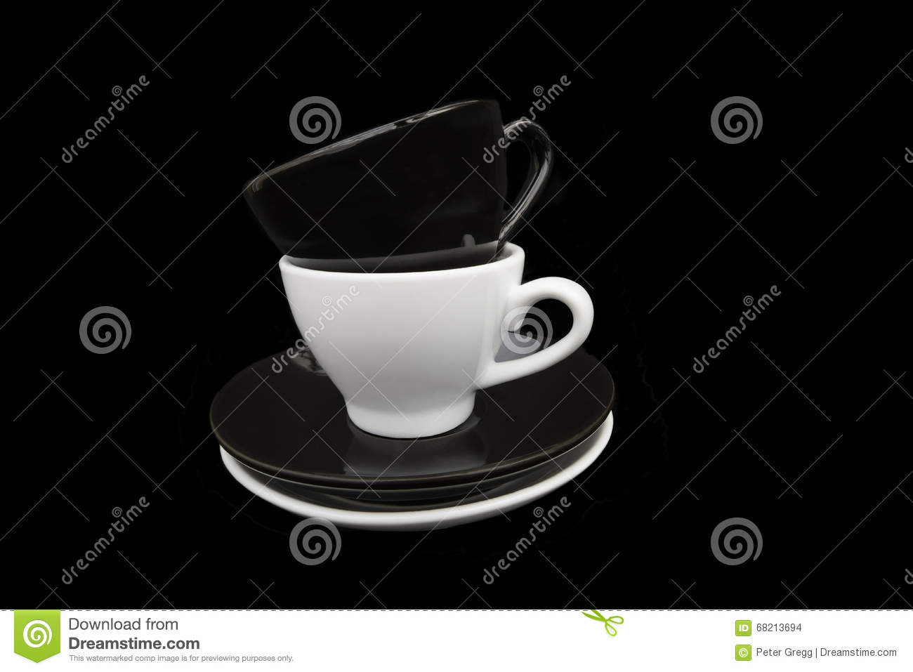Black and White coffee cupsBlack and White coffee cups