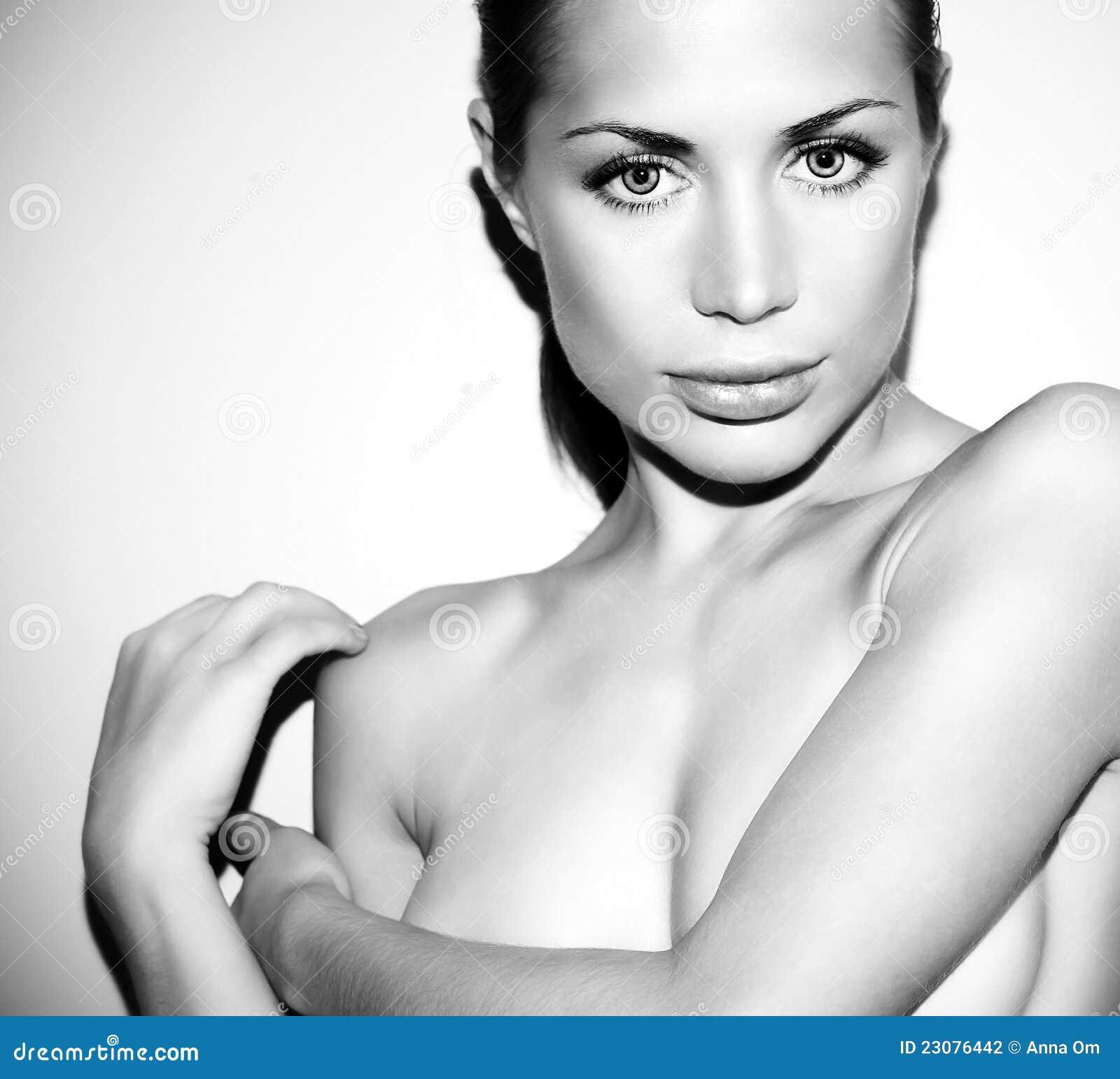Glamor Nude Photos 21