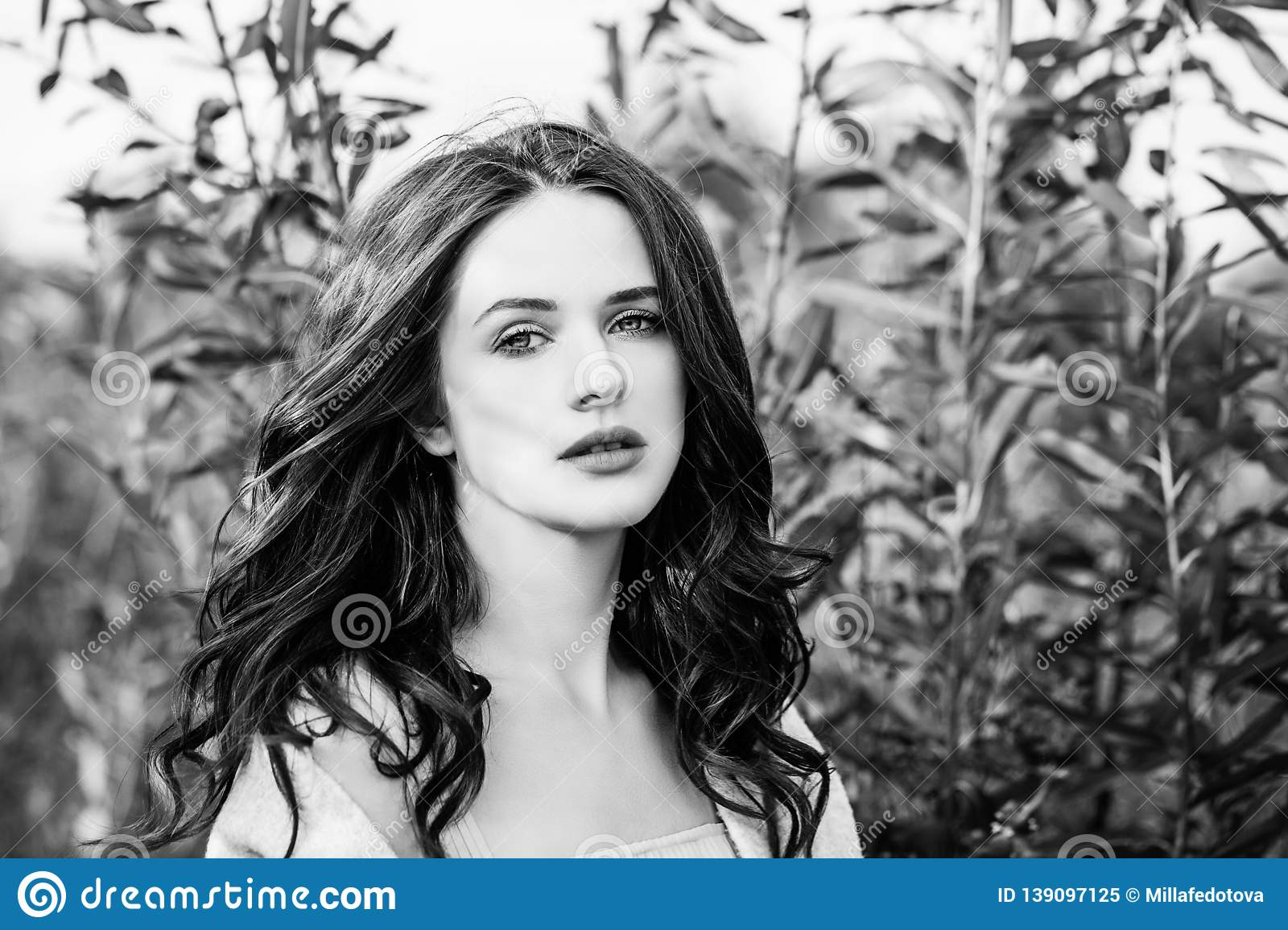 da6b97df8da Black And White Outdoors Portrait Of Perfect Young Woman Stock Image ...