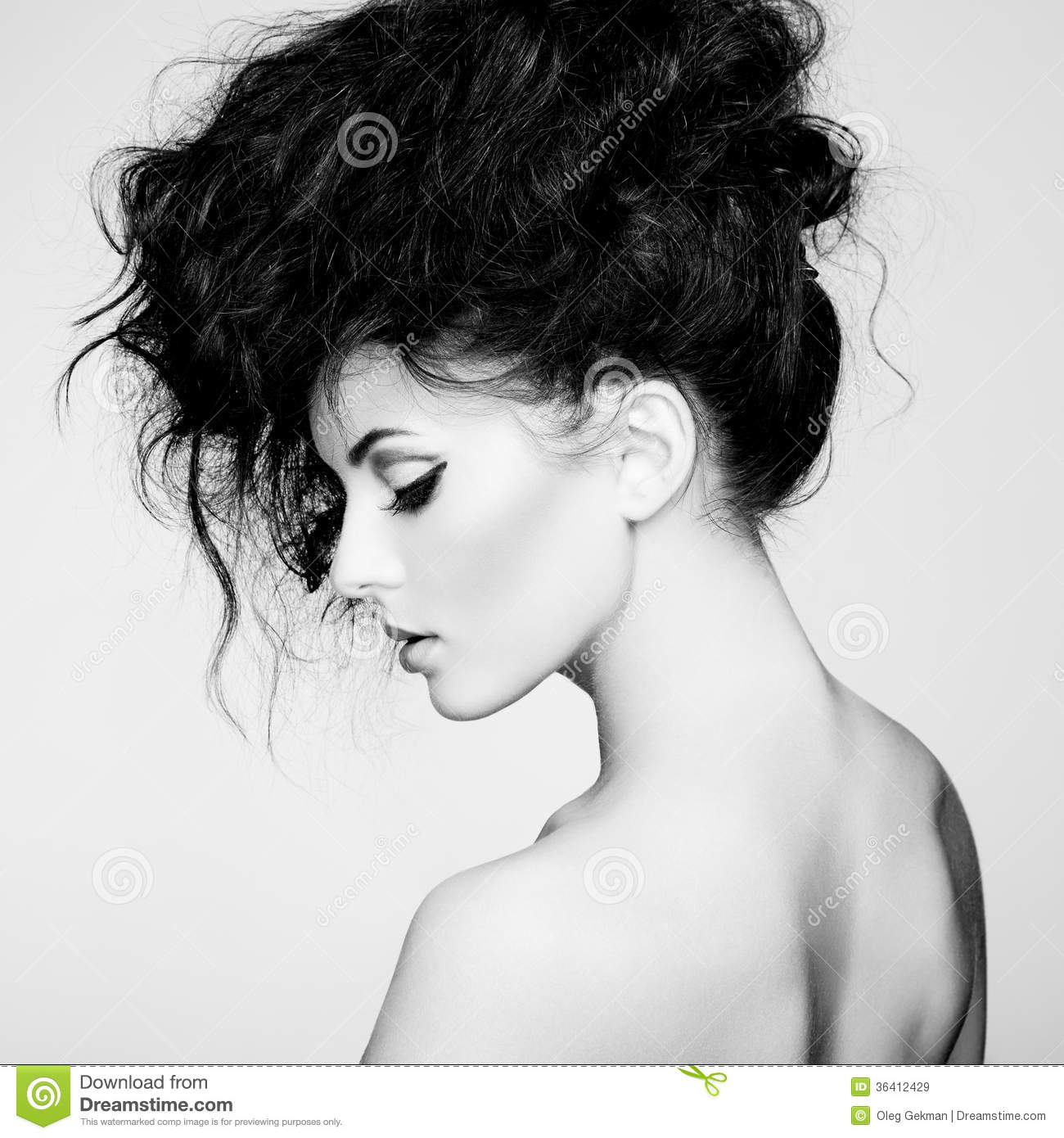 Black And White Photography Woman As Temptress : Black and white photo of beautiful woman with magnificent