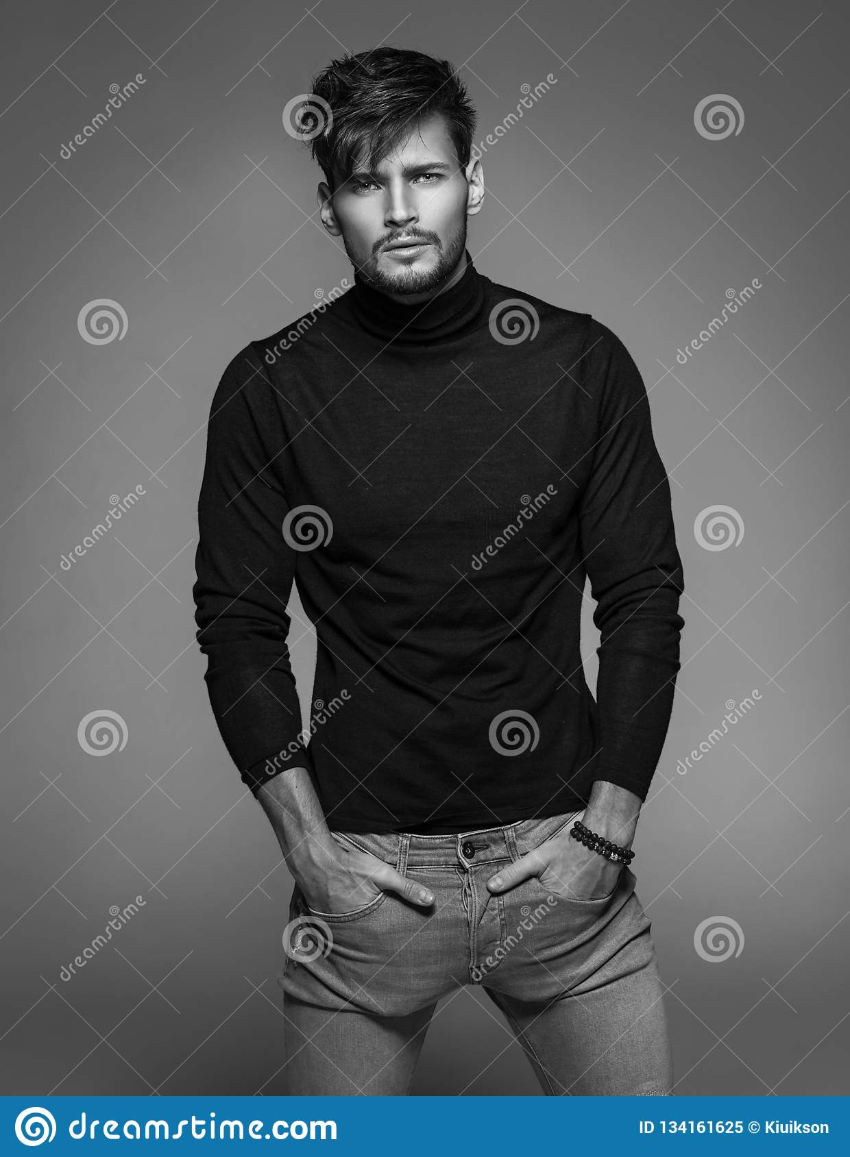 Black And White Portrait Of Handsome Model Stock Image Image Of Body Fitness 134161625