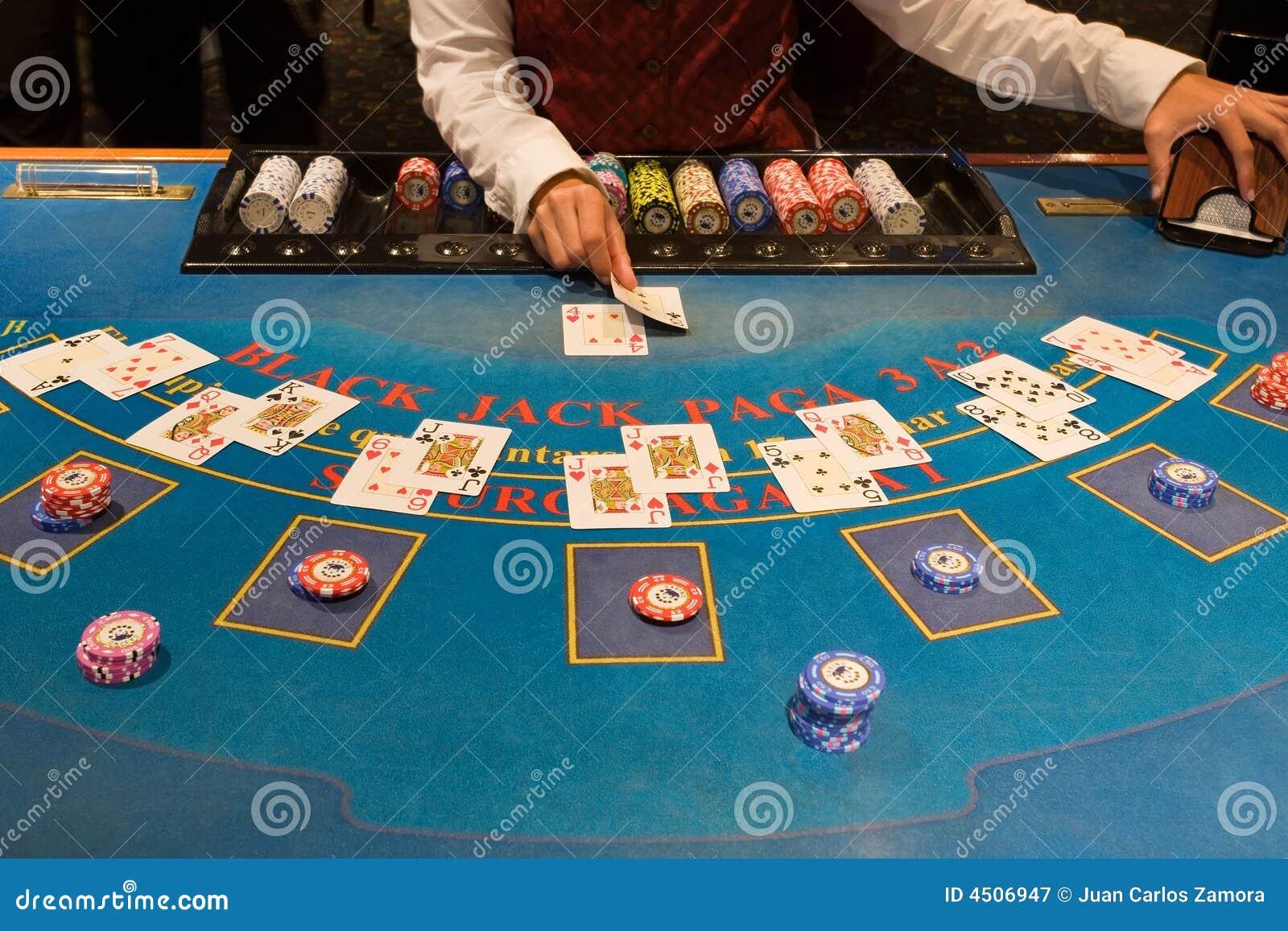 Blackjack играя таблицу